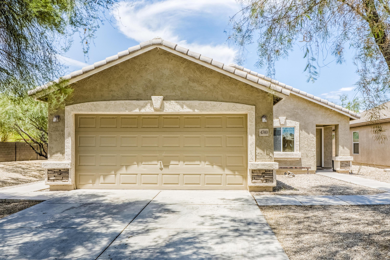 Photo of 4740 E SILVERBELL Road, San Tan Valley, AZ 85143