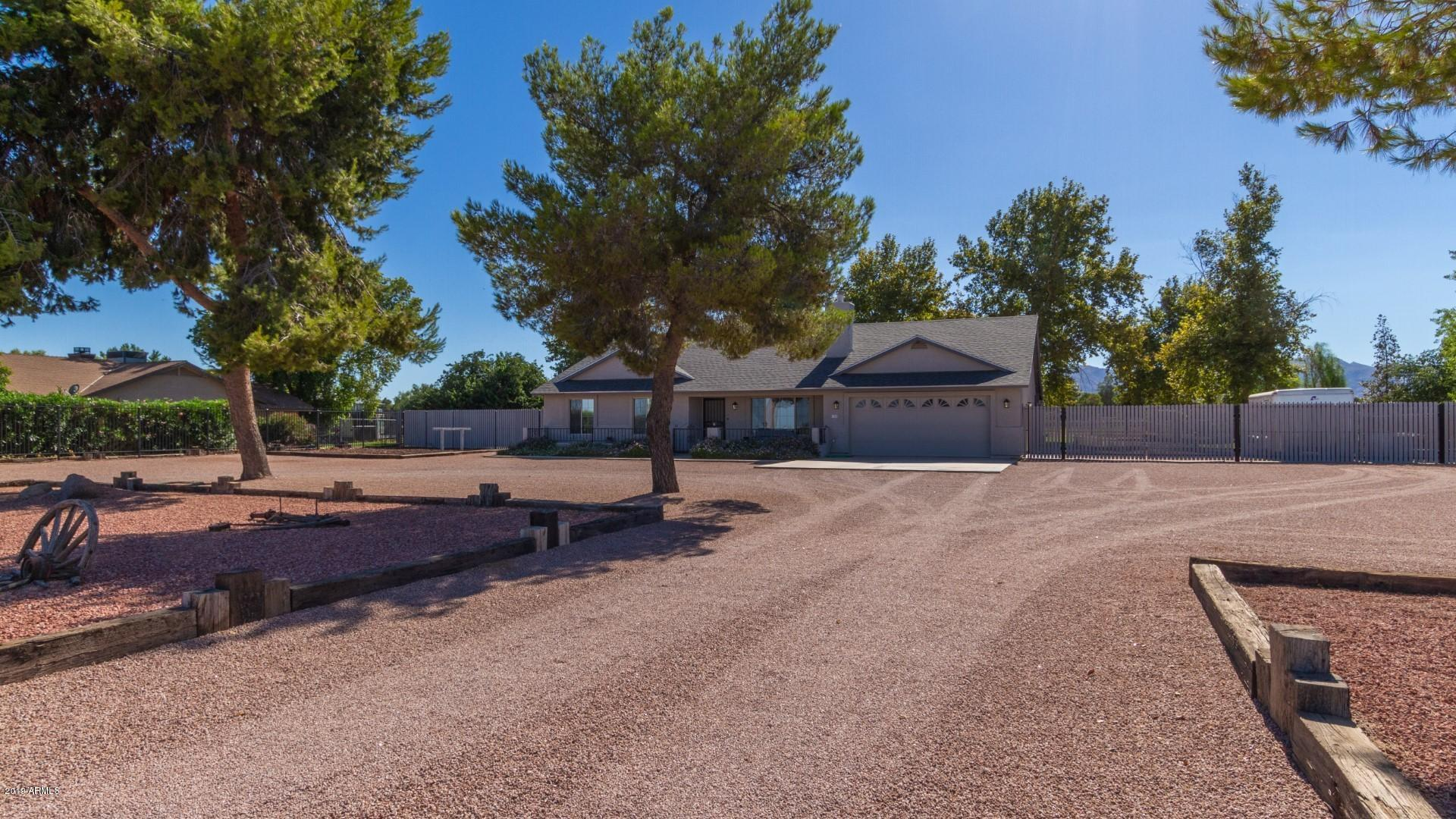 Photo of 7350 N COTTON Lane, Waddell, AZ 85355
