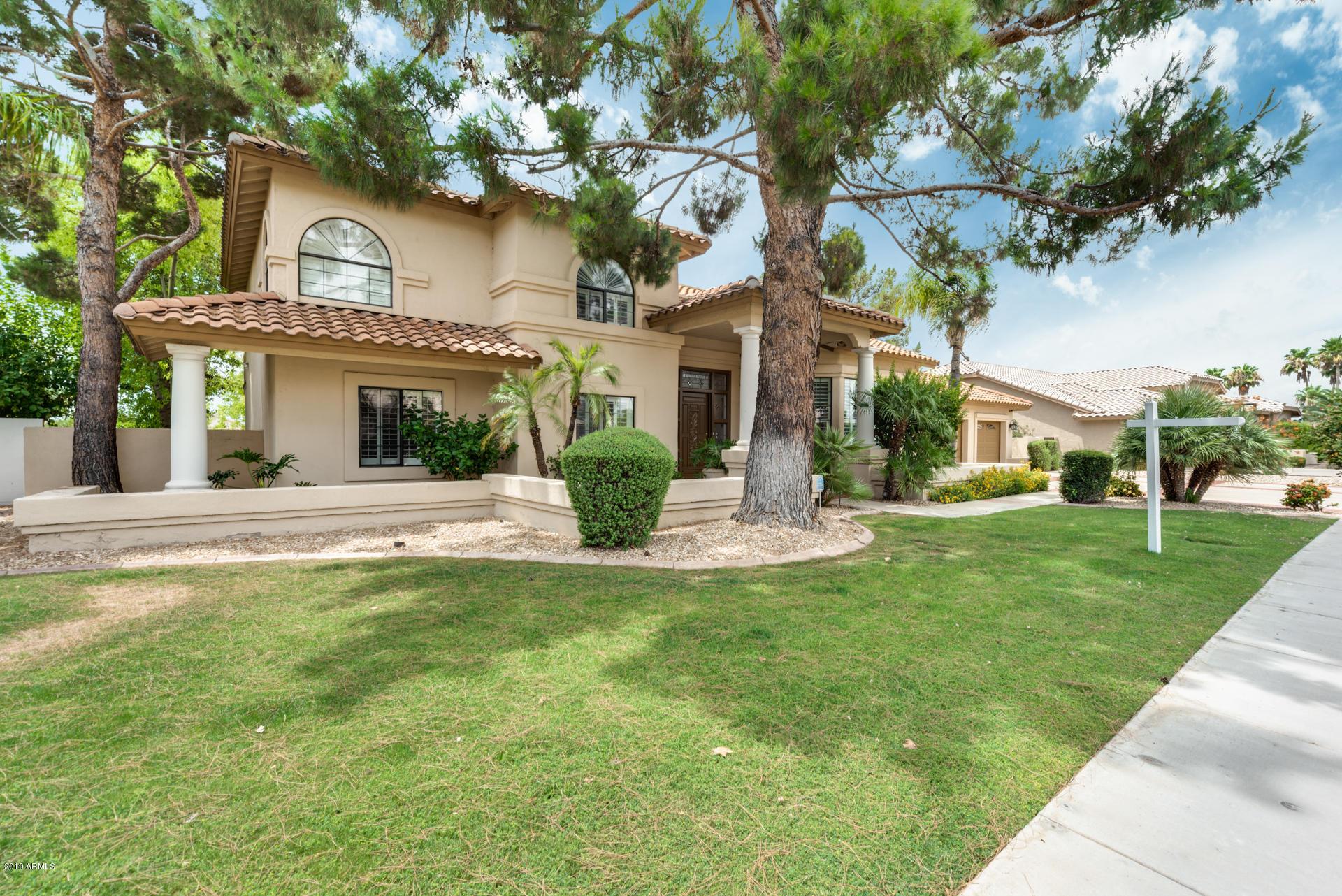 Photo of 6121 W ROSE GARDEN Lane, Glendale, AZ 85308