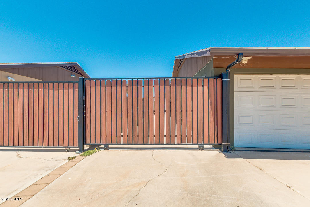 MLS 5949783 1702 W HONONEGH Drive, Phoenix, AZ 85027 Phoenix AZ Desert Valley Estates