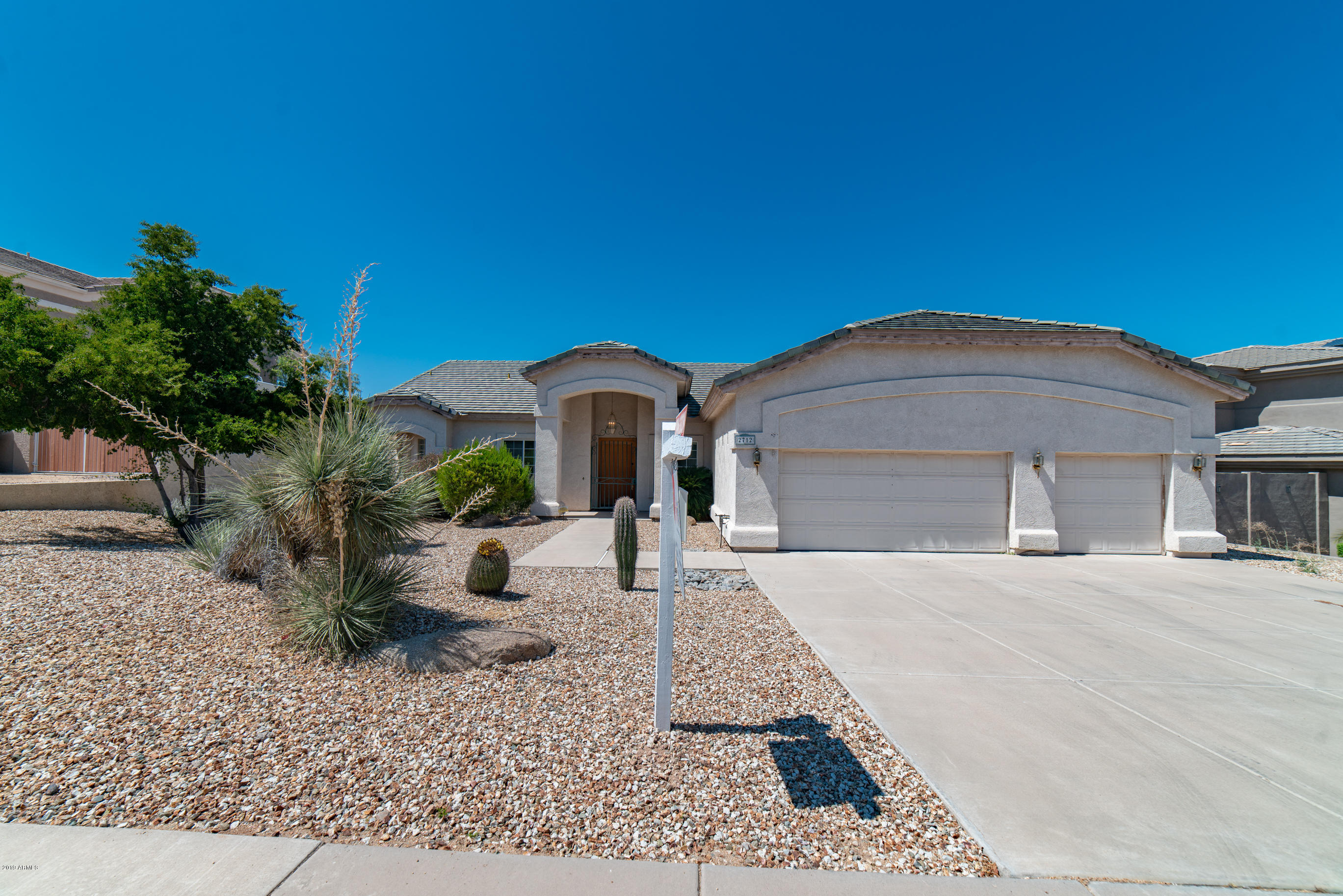 Photo of 2712 E CLAIRE Drive, Phoenix, AZ 85032