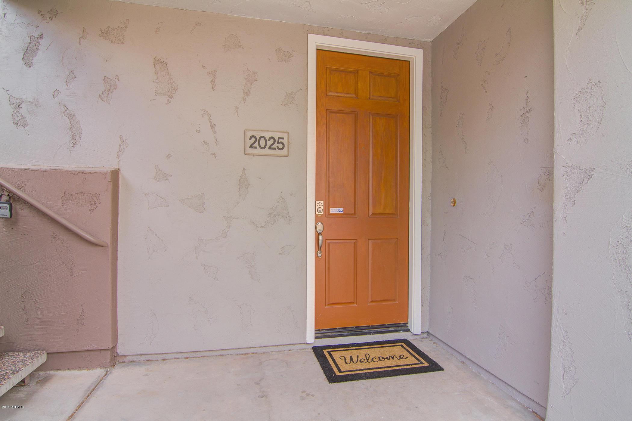 Photo of 15221 N CLUBGATE Drive #2025, Scottsdale, AZ 85254