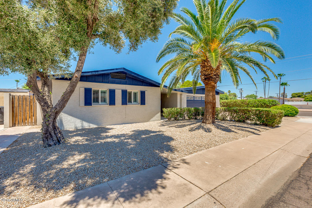 Photo of 8538 E ROVEY Avenue, Scottsdale, AZ 85250