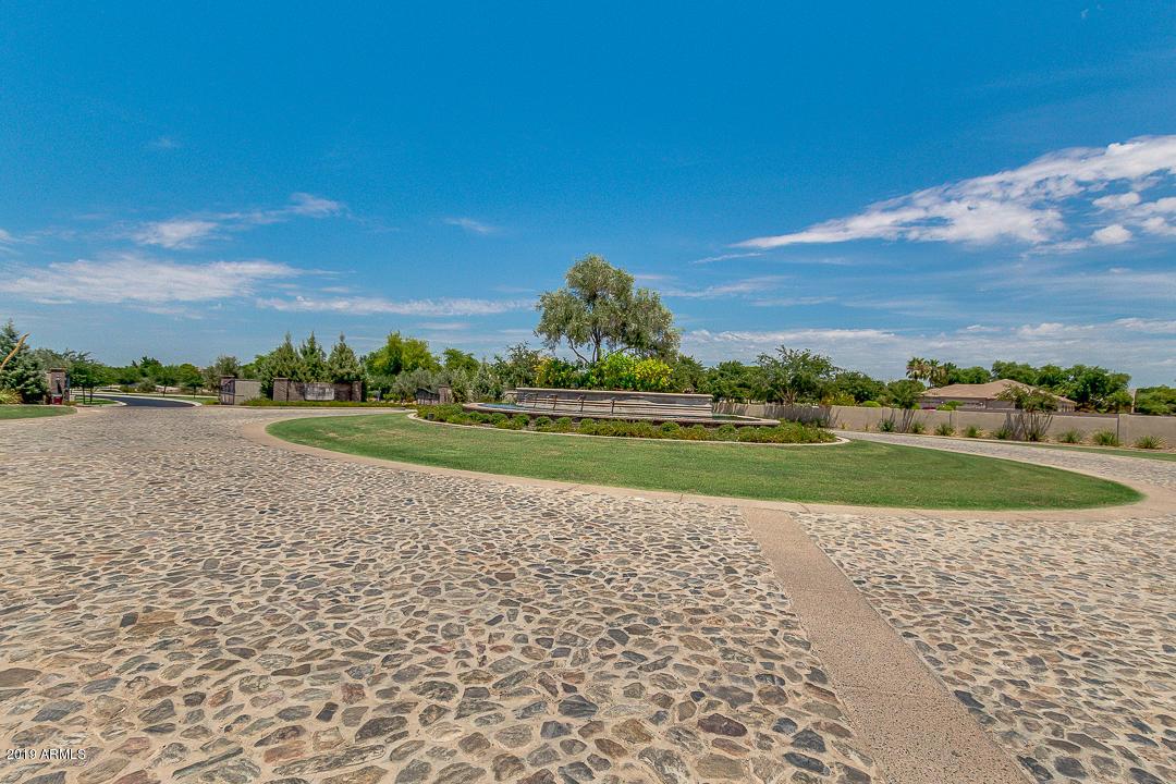 MLS 5955176 2581 E VILLA PARK Street, Gilbert, AZ 85298 Gilbert AZ Spec Home