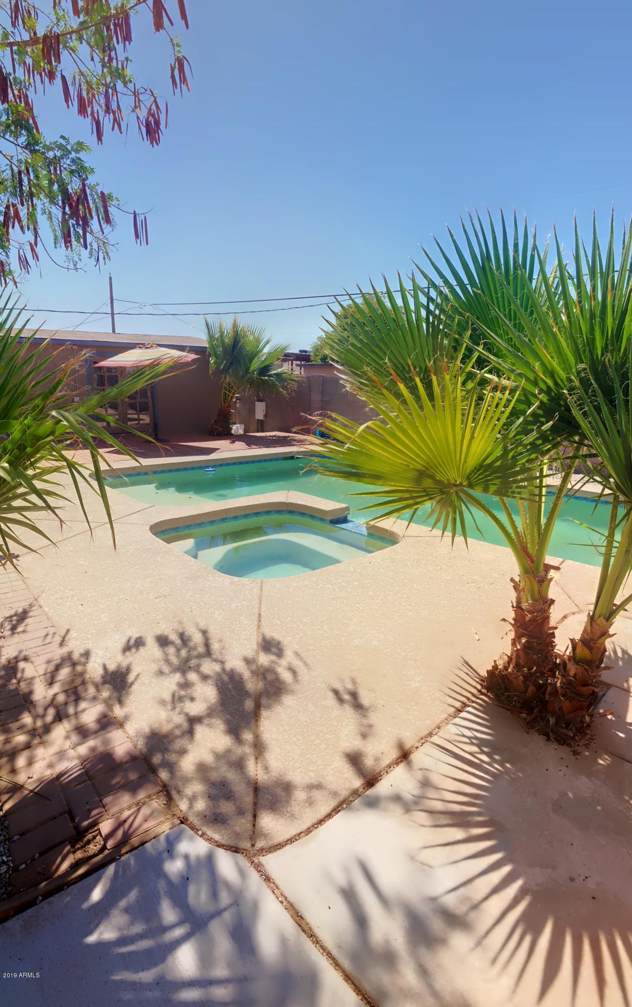 Photo of 201 W HOLLY Lane, Avondale, AZ 85323