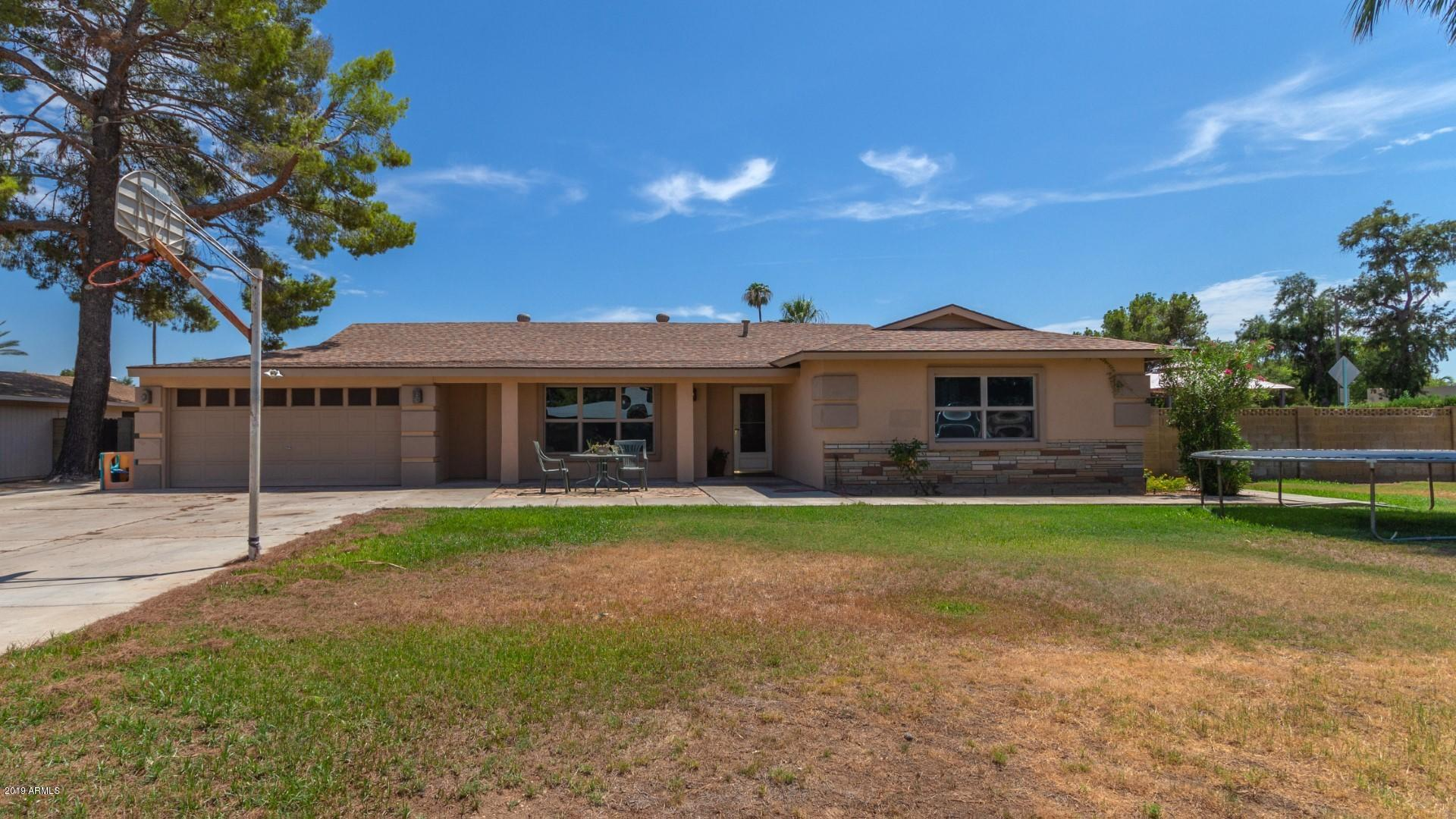 Photo of 401 E FAIRWAY Drive, Litchfield Park, AZ 85340