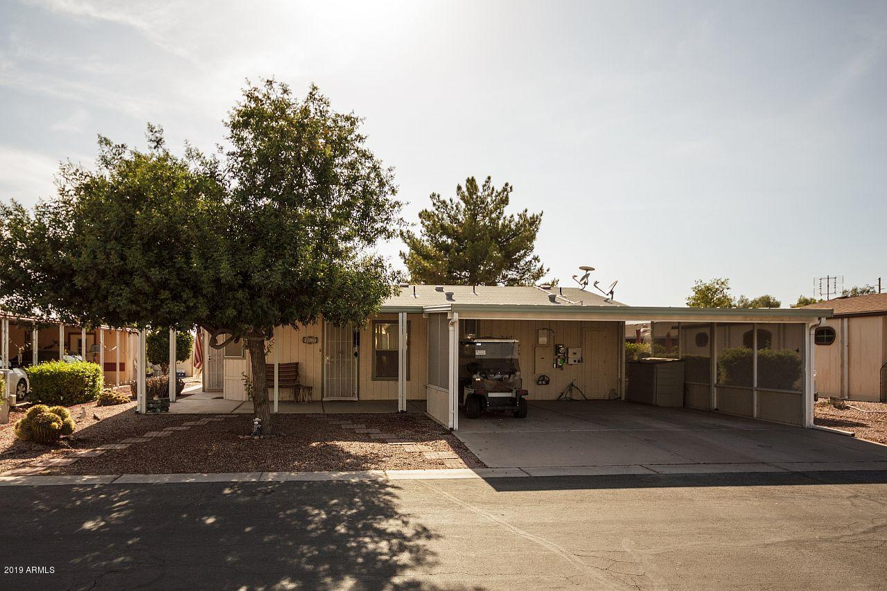 Photo of 40620 N CLUBHOUSE Drive, San Tan Valley, AZ 85140