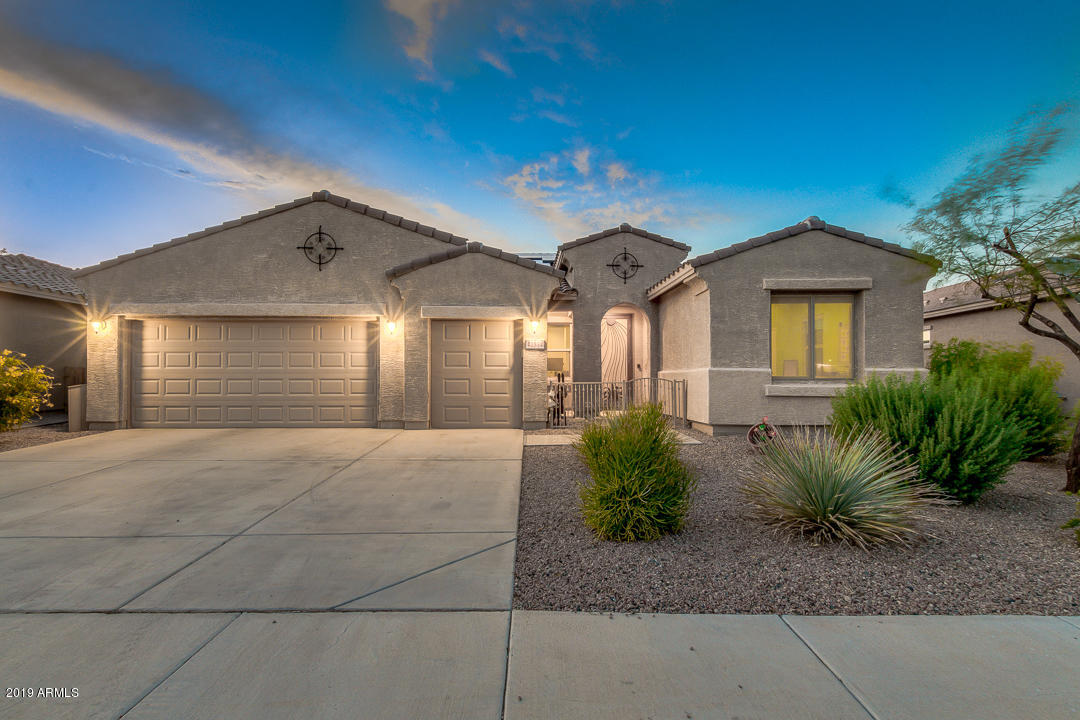 Photo of 42534 W SEA EAGLE Drive, Maricopa, AZ 85138