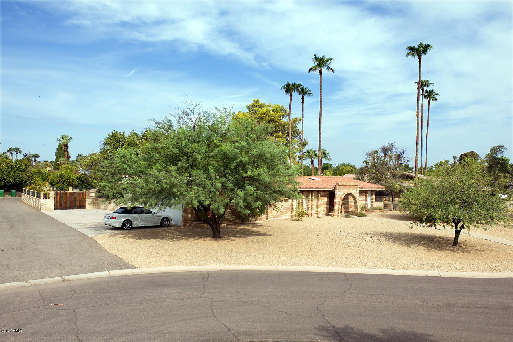 Photo of 677 E FAIRWAY Drive, Litchfield Park, AZ 85340