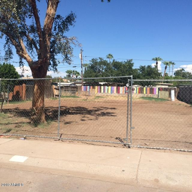 Photo of 415 S ROBERT Road, Tempe, AZ 85281