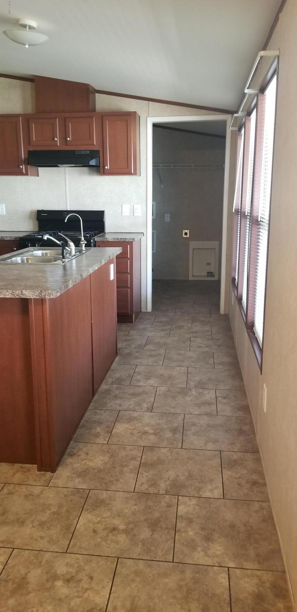 7200 N 43rd Avenue Unit RG18 Photo 2