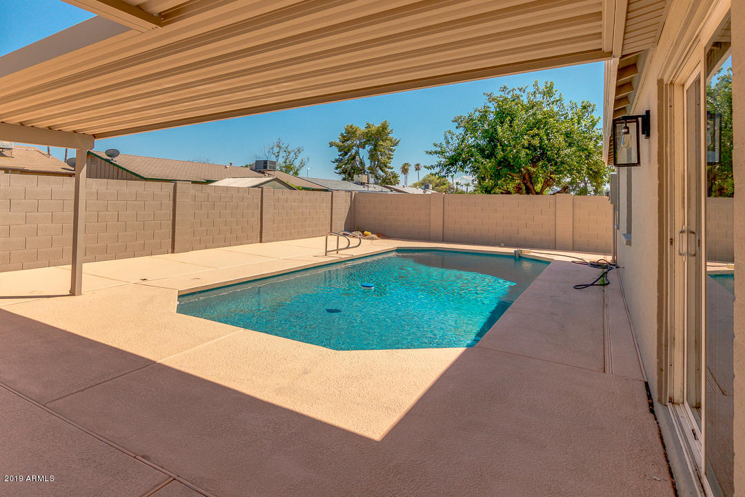 MLS 5966752 13827 N 37TH Place, Phoenix, AZ 85032 Phoenix AZ Paradise Valley Oasis
