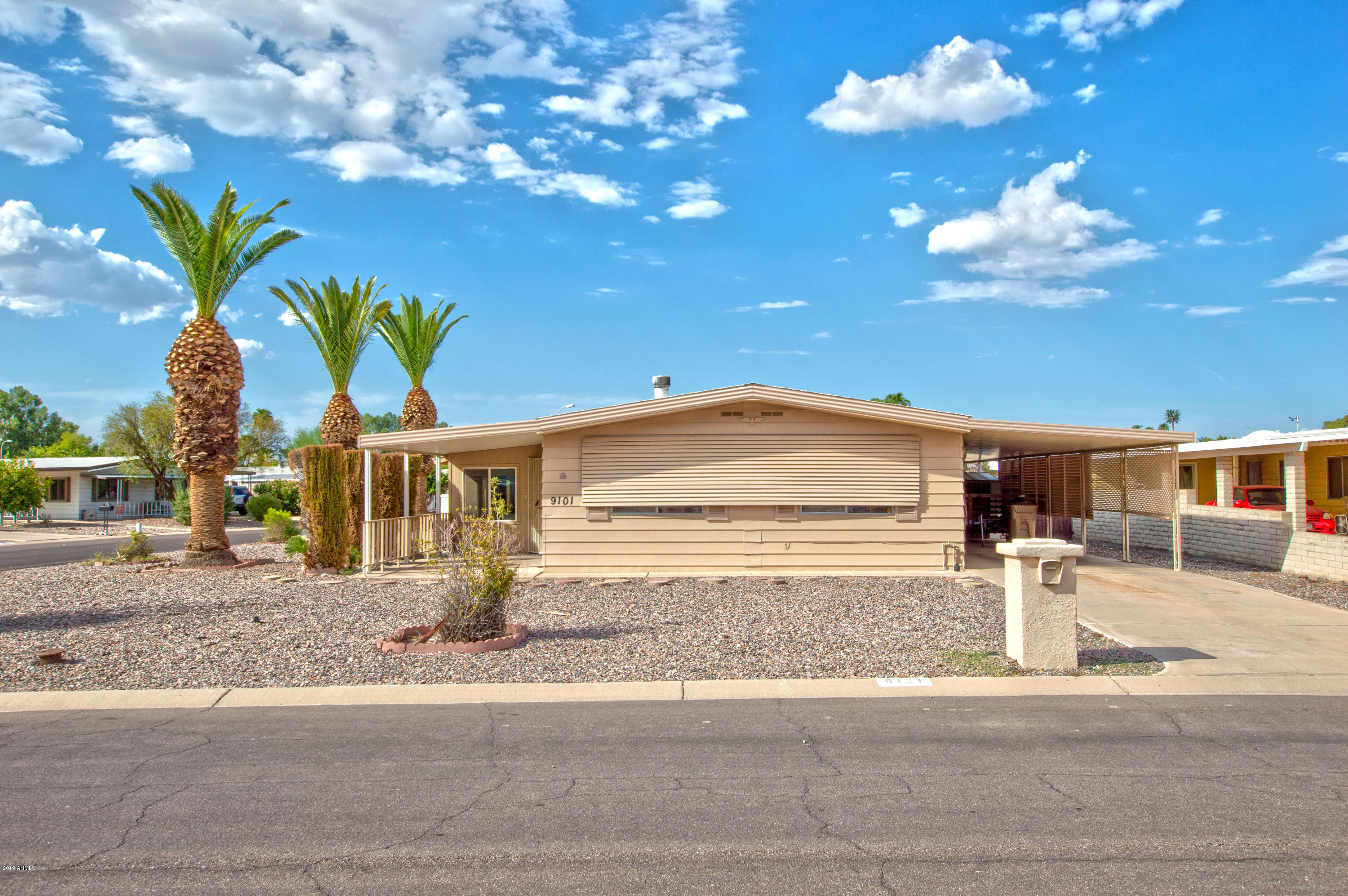 Photo of 9101 E COUNTRY CLUB Drive, Sun Lakes, AZ 85248