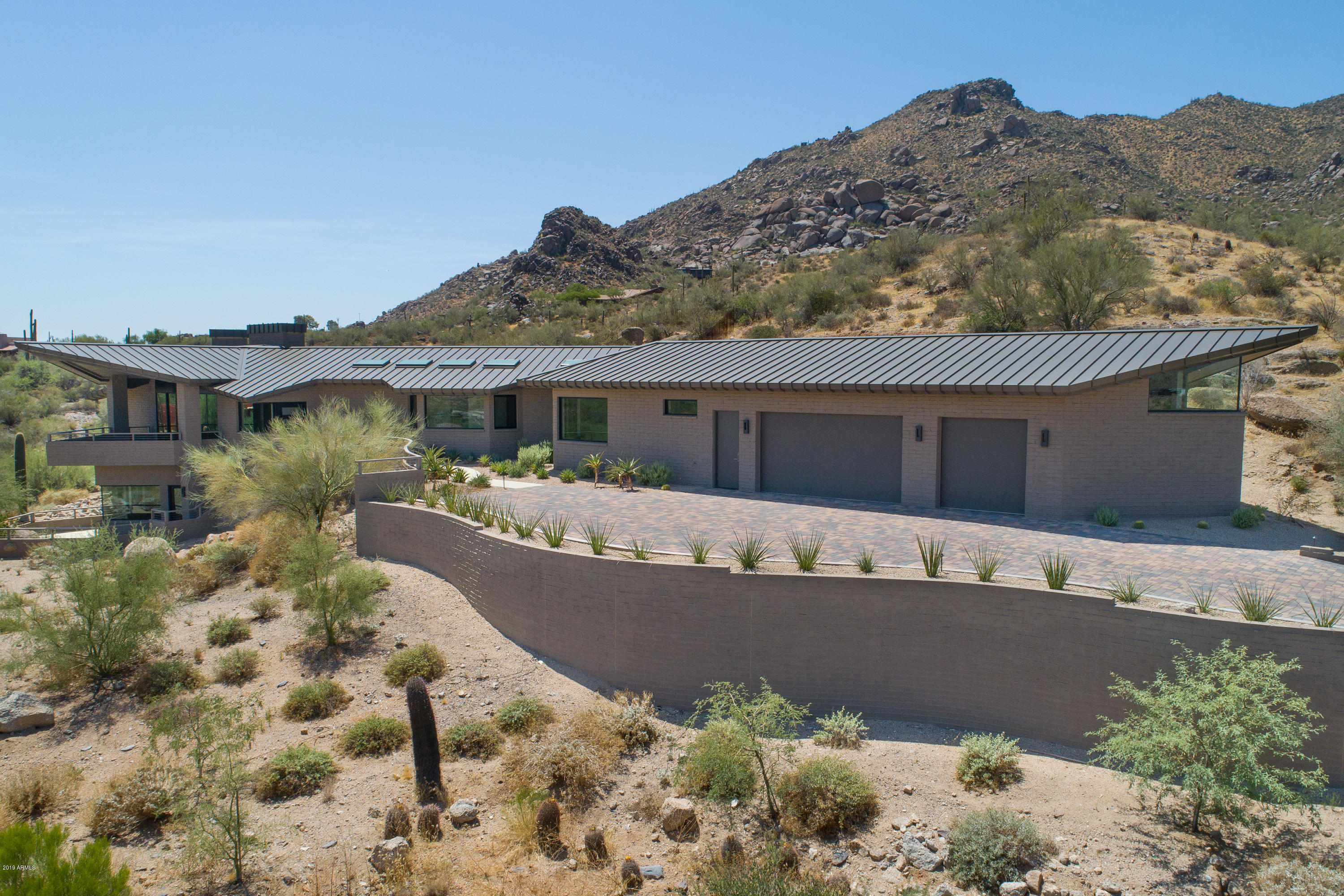 MLS 5843318 37251 N Nighthawk Way, Carefree, AZ 85377 Carefree AZ One Plus Acre Home