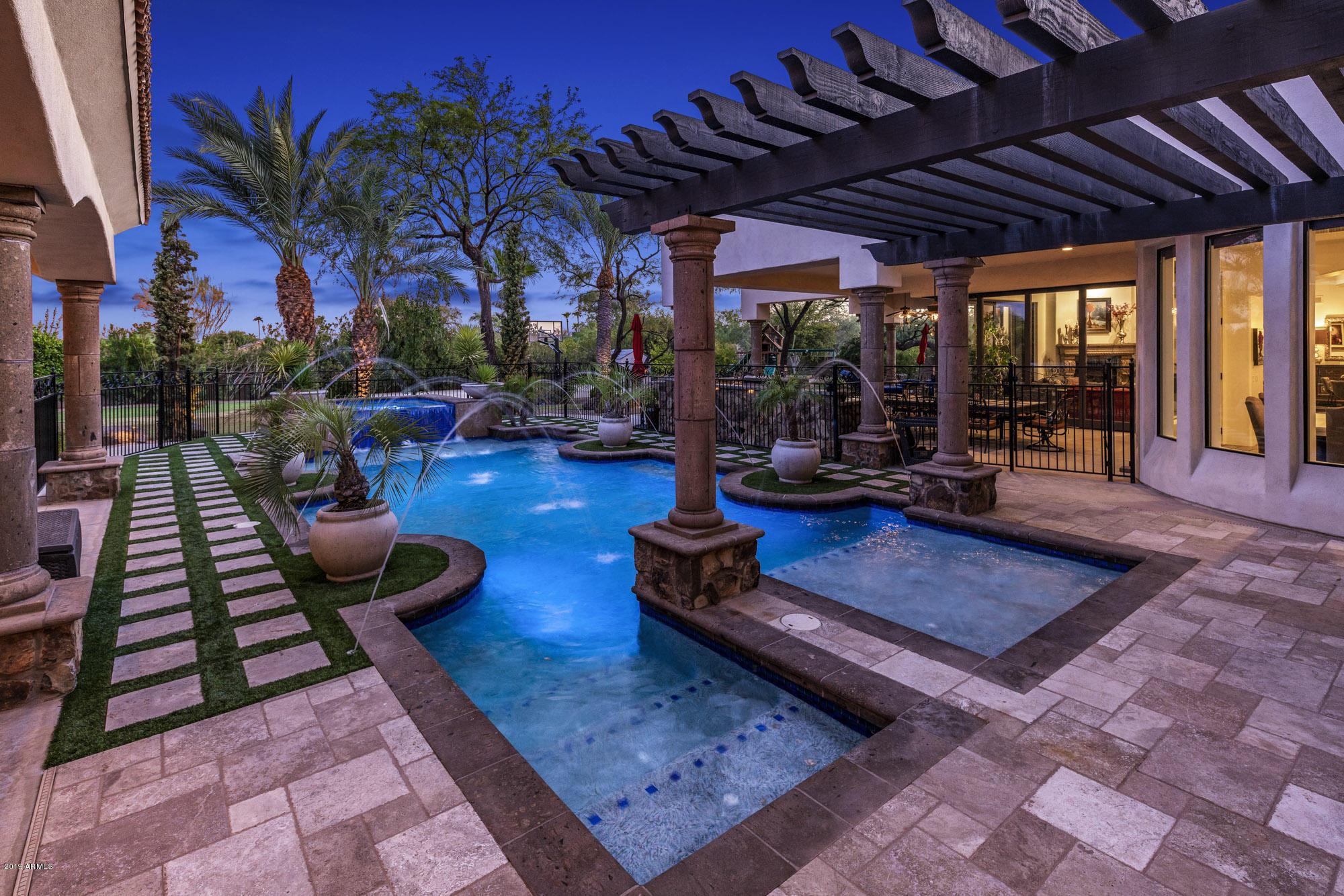Photo of 8707 E CHOLLA Street, Scottsdale, AZ 85260