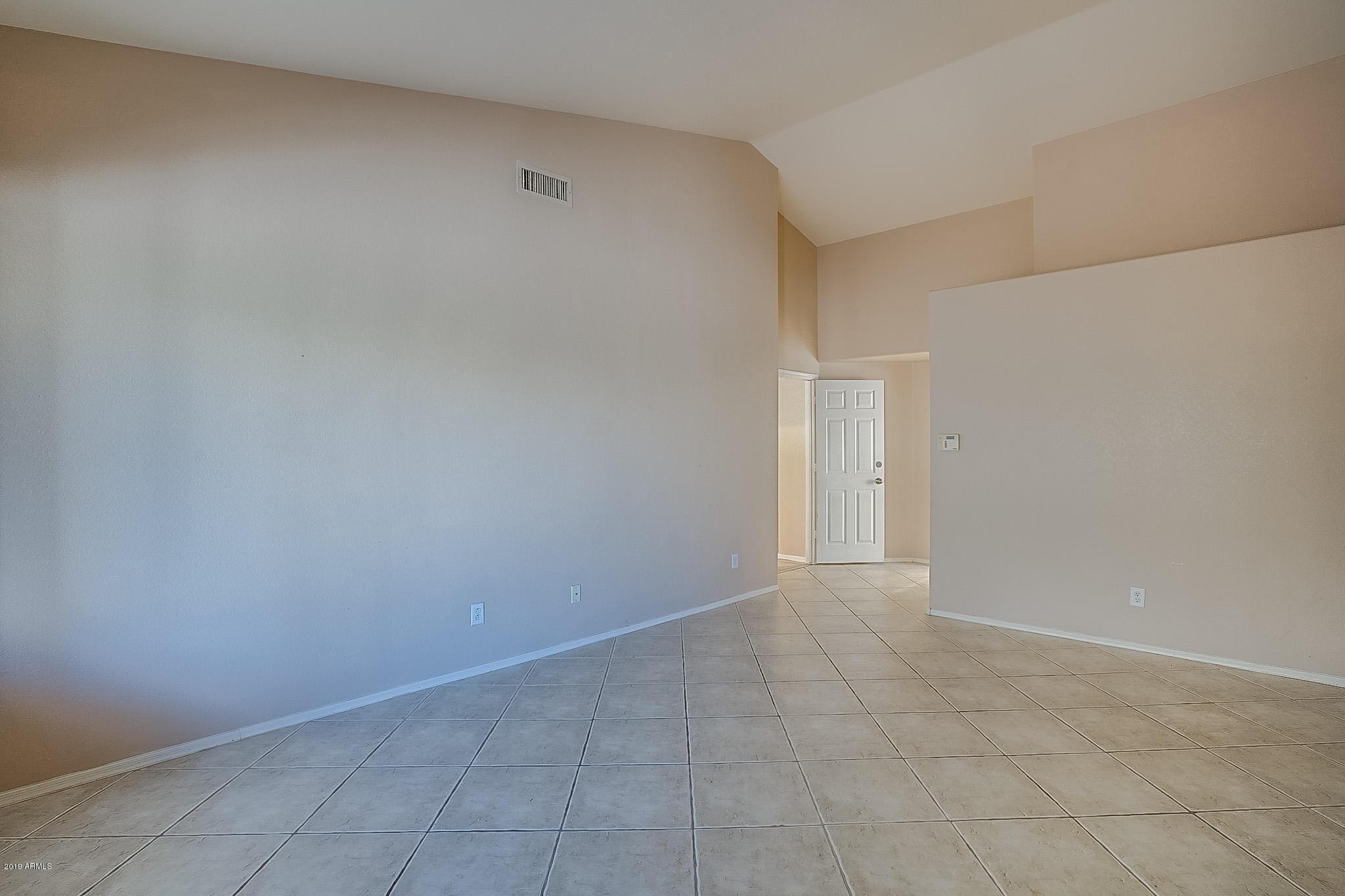 MLS 5970776 10910 W LAURELWOOD Lane, Avondale, AZ 85392 Avondale AZ Garden Lakes