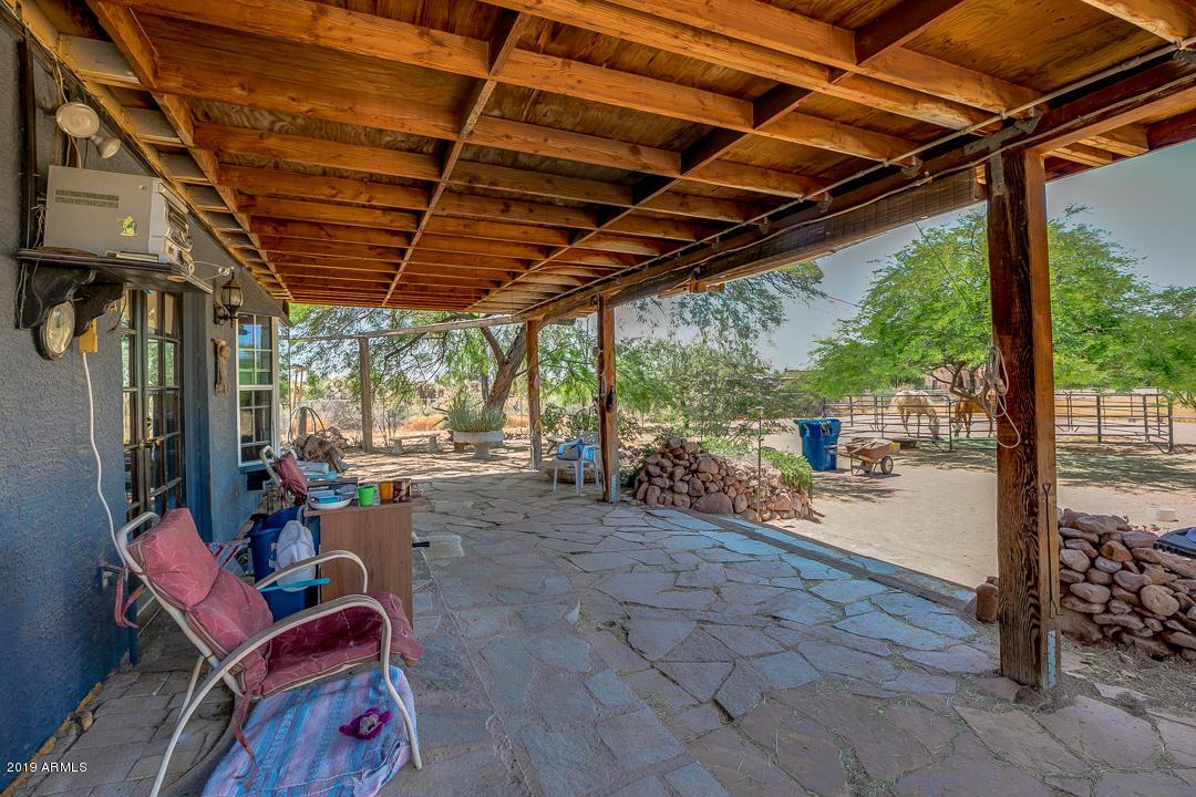 MLS 5972040 2060 S SIXSHOOTER Road, Apache Junction, AZ 85119 Apache Junction AZ Equestrian