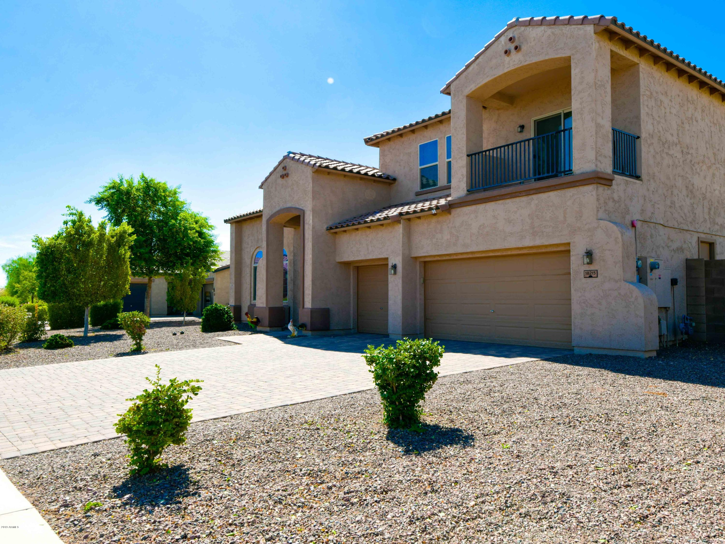 Photo of 18215 W MINNEZONA Avenue, Goodyear, AZ 85395