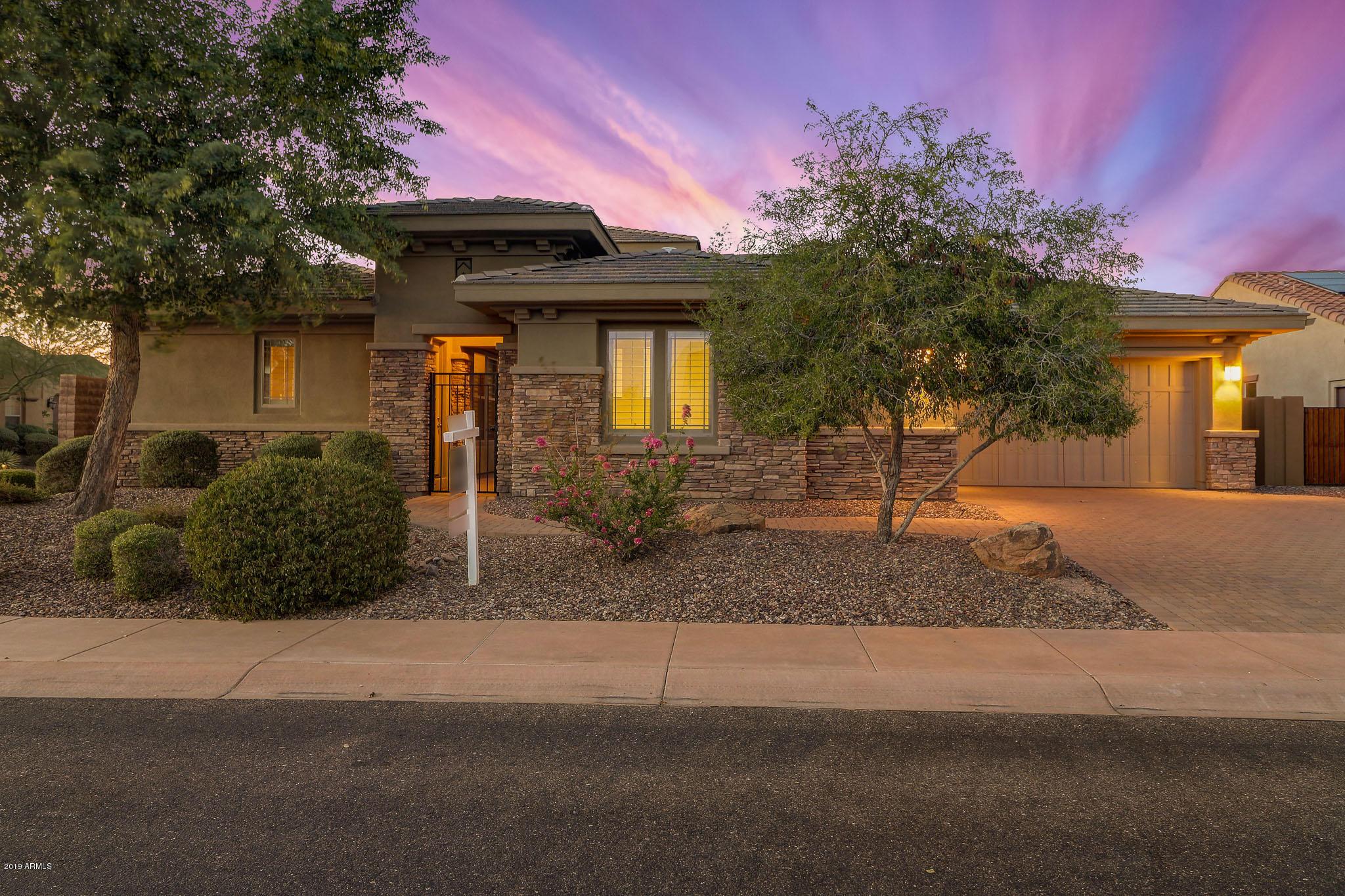Photo of 12926 W Oyer Lane, Peoria, AZ 85383