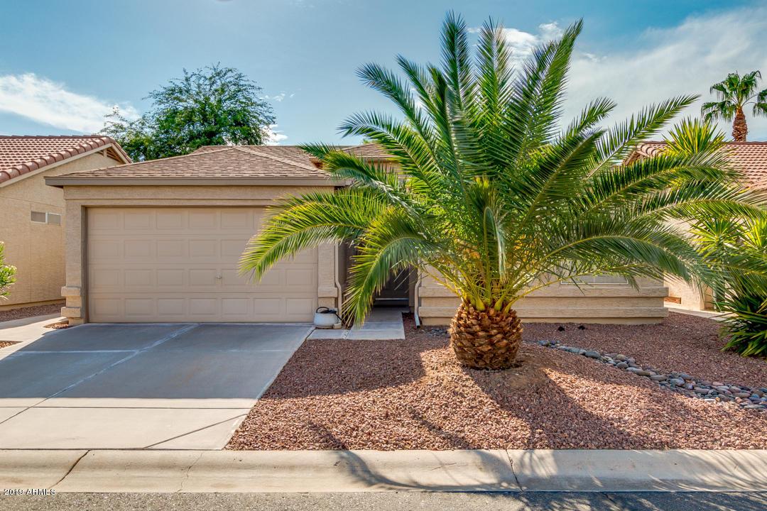 Photo of 6862 S OAKMONT Drive, Chandler, AZ 85249