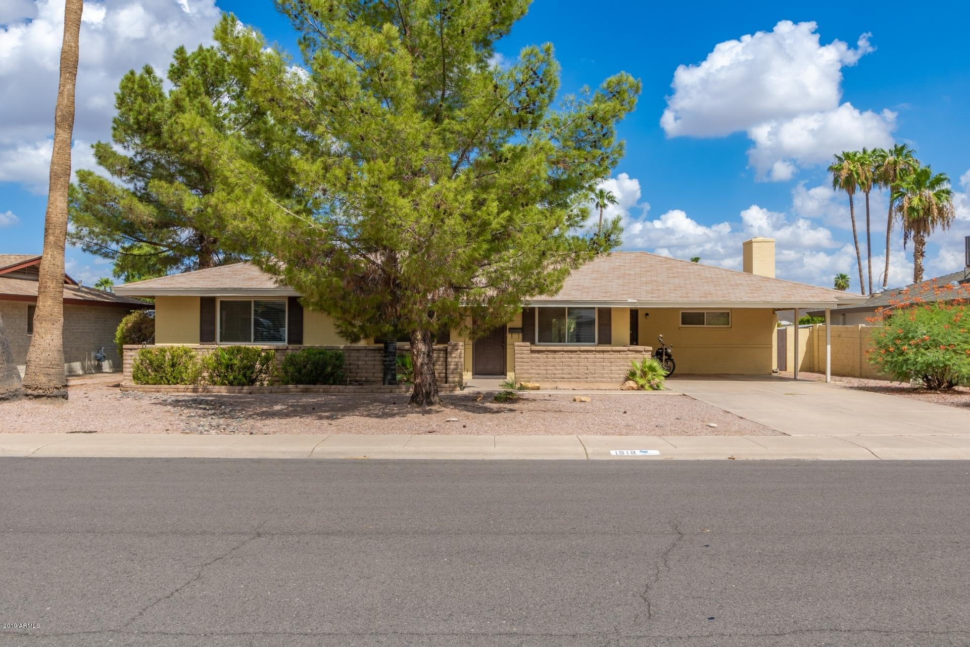 Photo of 1918 E PEBBLE BEACH Drive, Tempe, AZ 85282