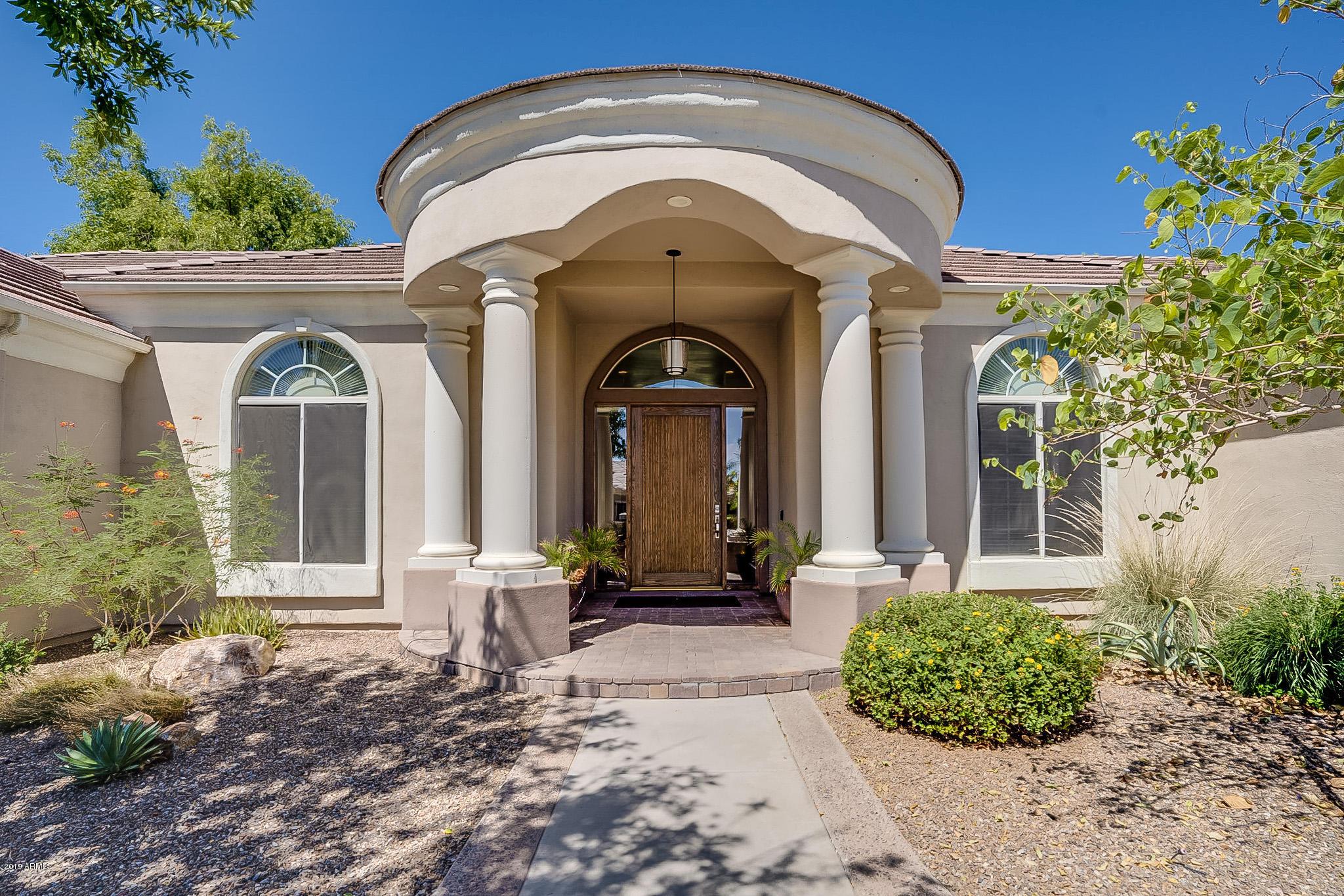 Photo of 2084 E WASHINGTON Avenue, Gilbert, AZ 85234