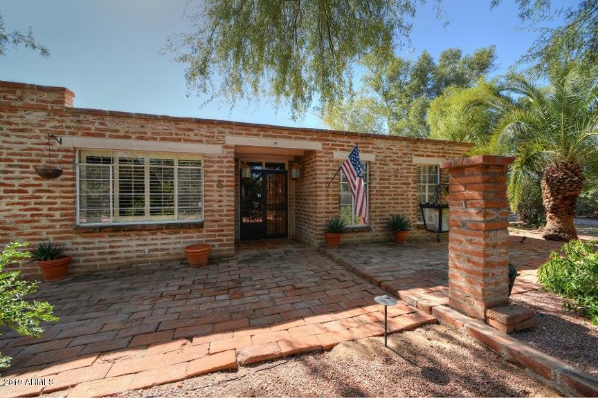 Photo of 6706 N JOSHUA TREE Lane, Paradise Valley, AZ 85253