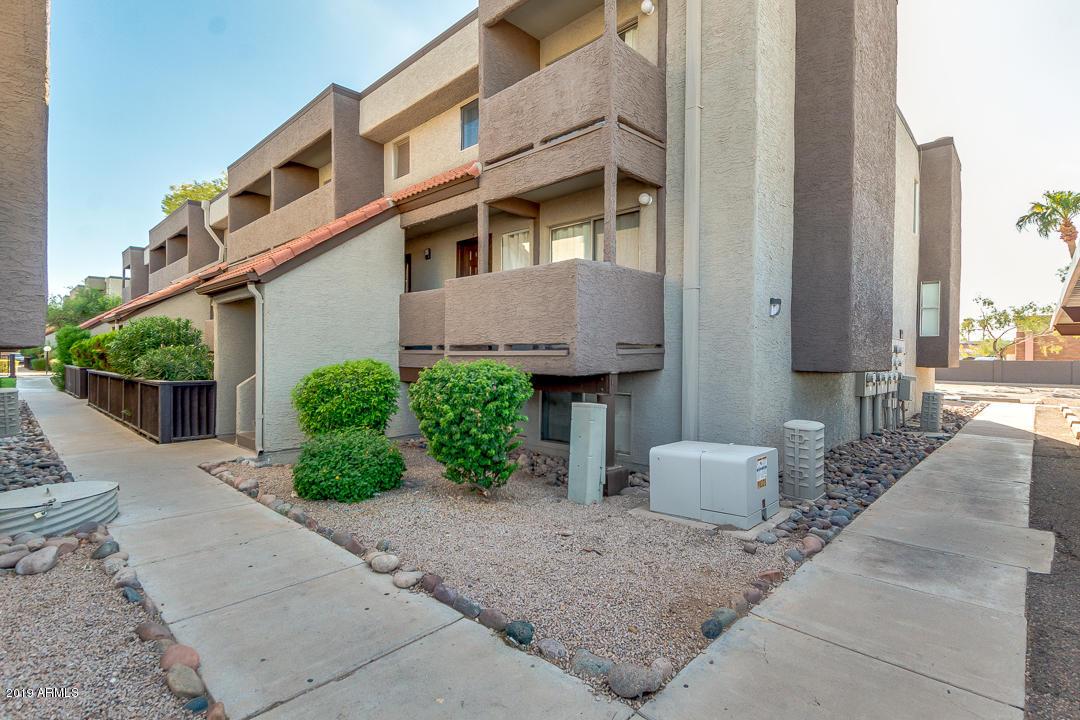 Photo of 1645 W BASELINE Road #2011, Mesa, AZ 85202