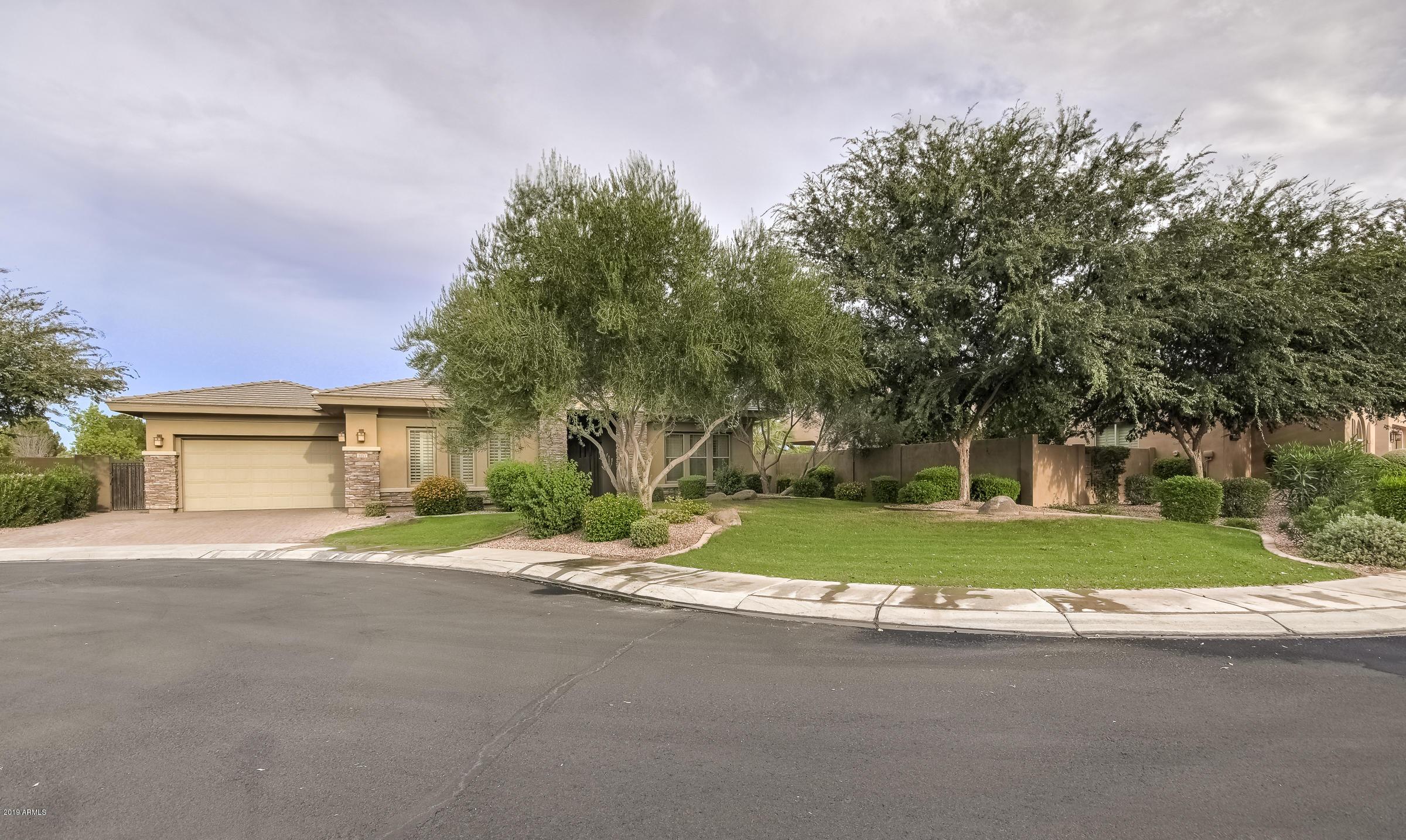 Photo of 5311 S BIG HORN Place, Chandler, AZ 85249