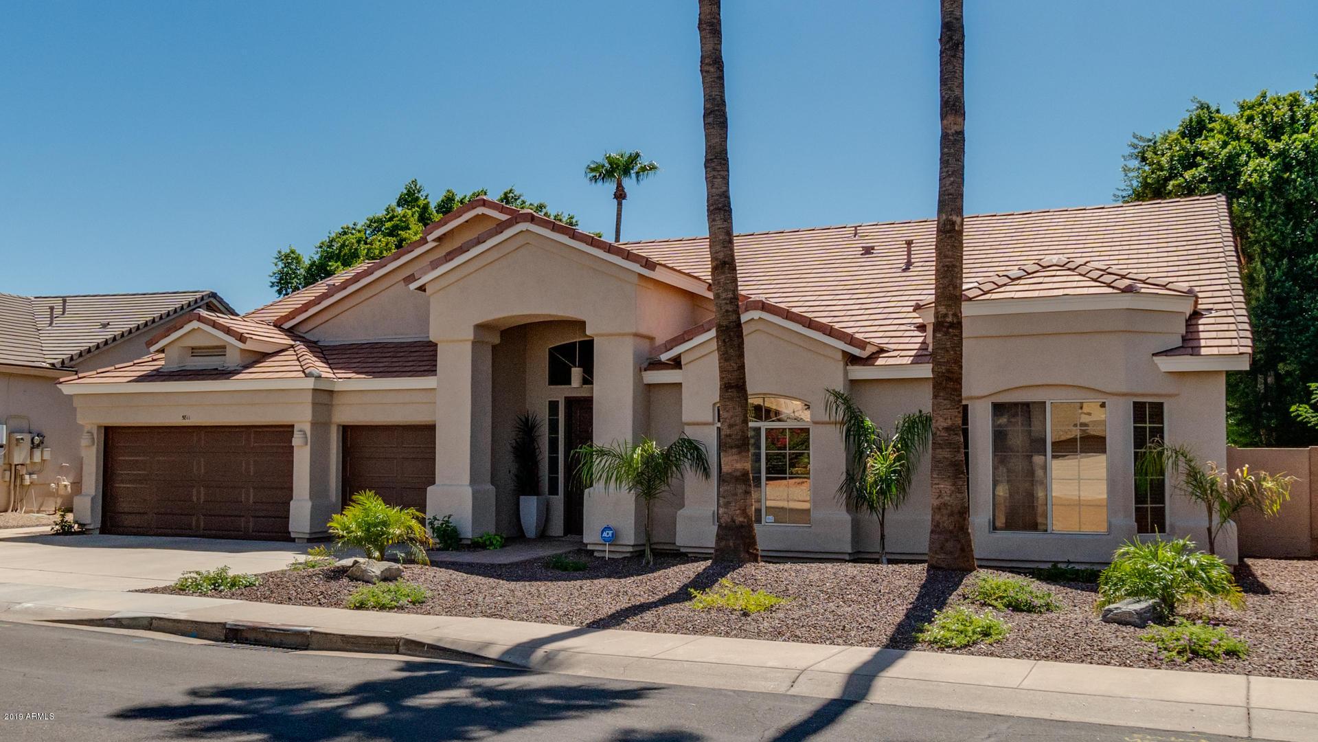 Photo of 5811 W ABRAHAM Lane, Glendale, AZ 85308