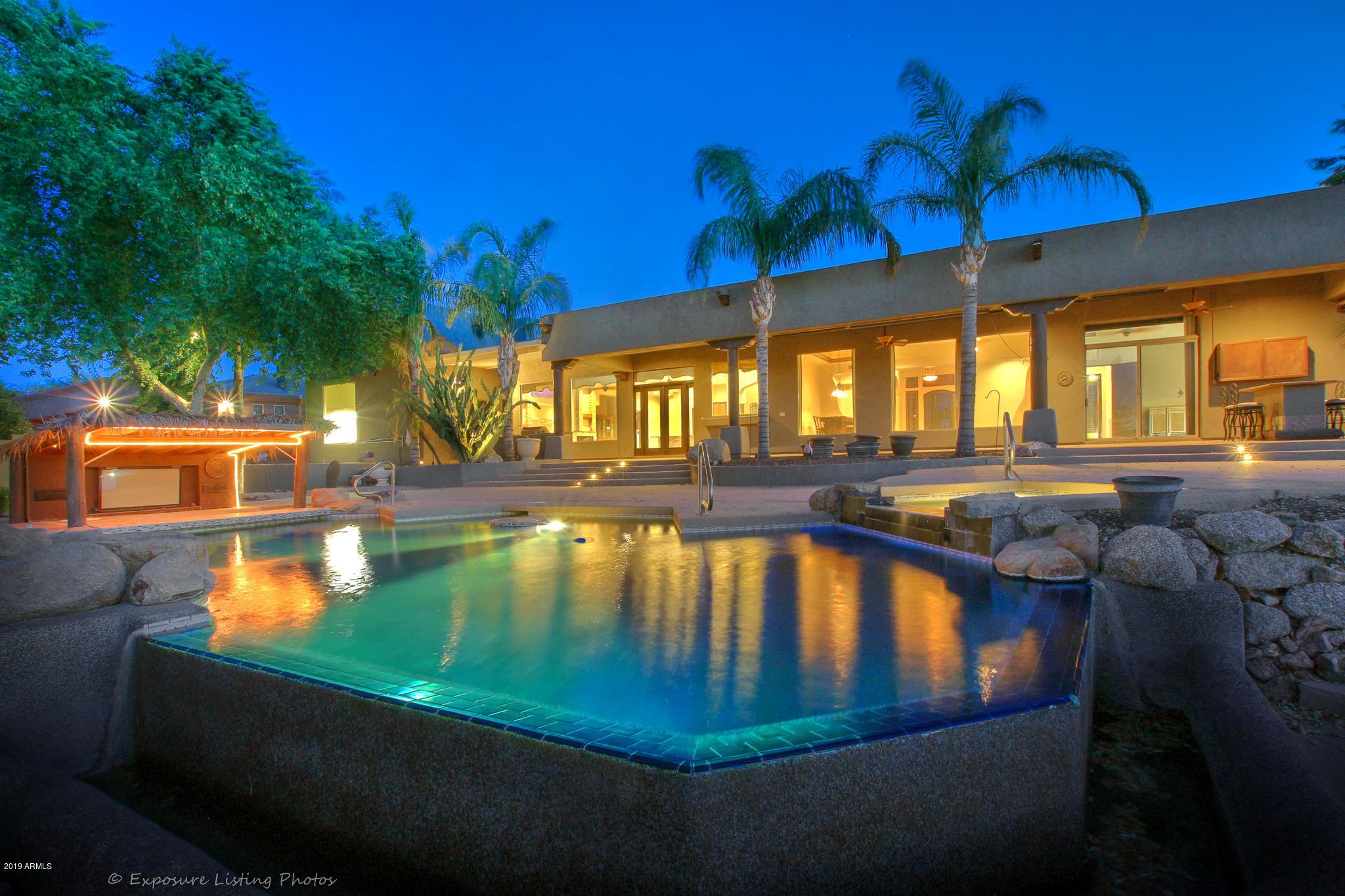 Photo of 9490 W EL CORTEZ Place, Peoria, AZ 85383