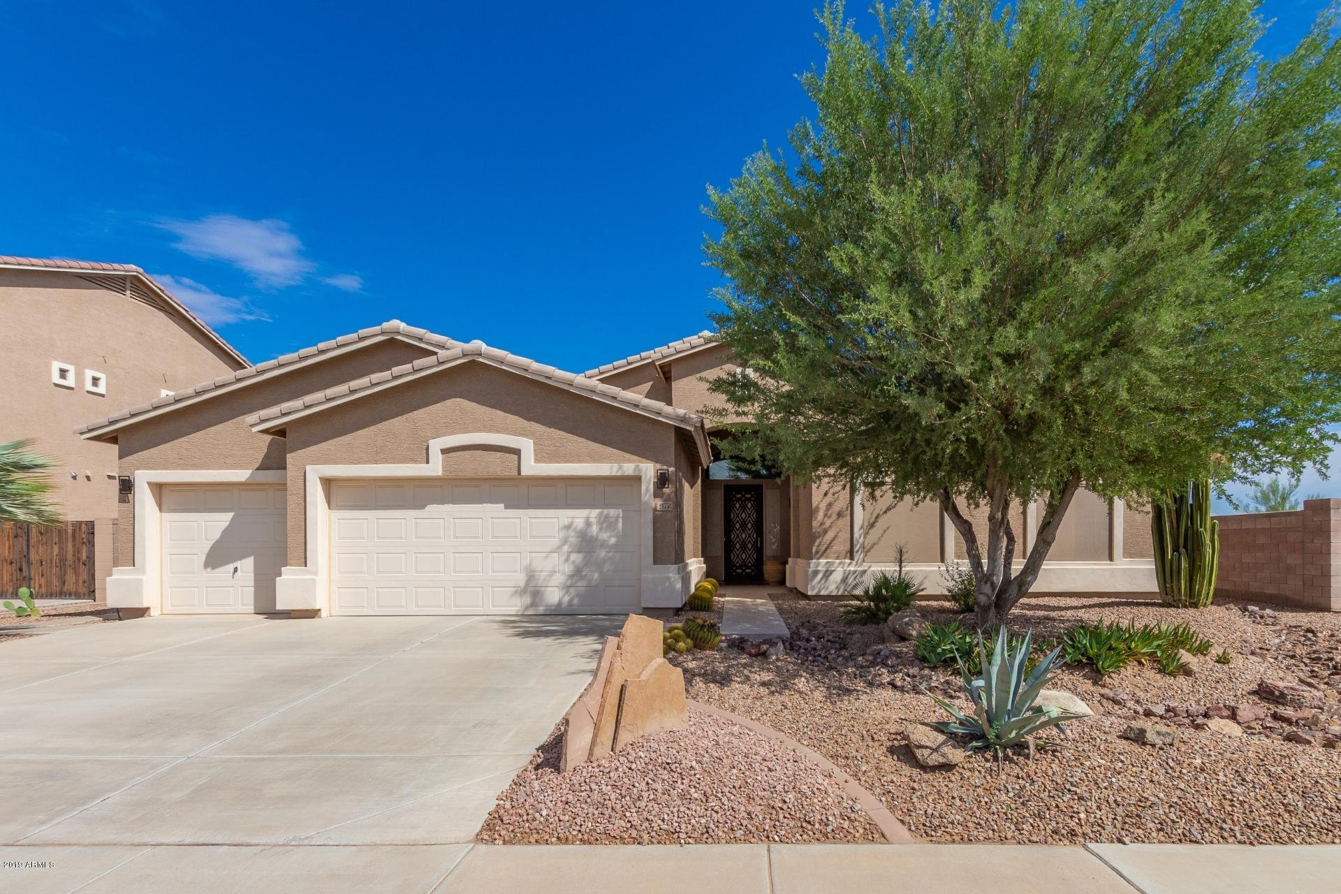 Photo of 21753 N GREENWAY Drive, Maricopa, AZ 85138