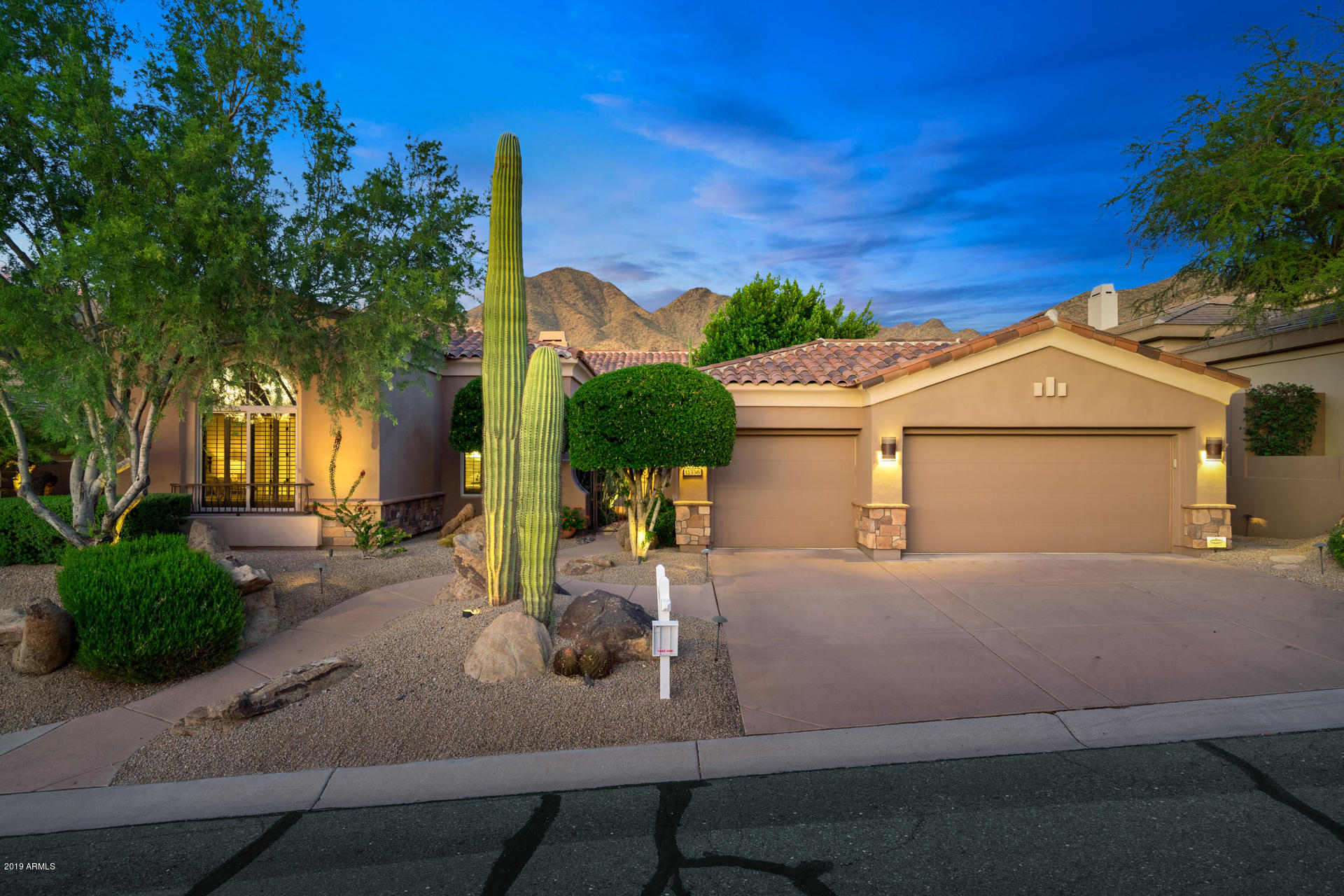 Photo of 11336 E CARIBBEAN Lane, Scottsdale, AZ 85255