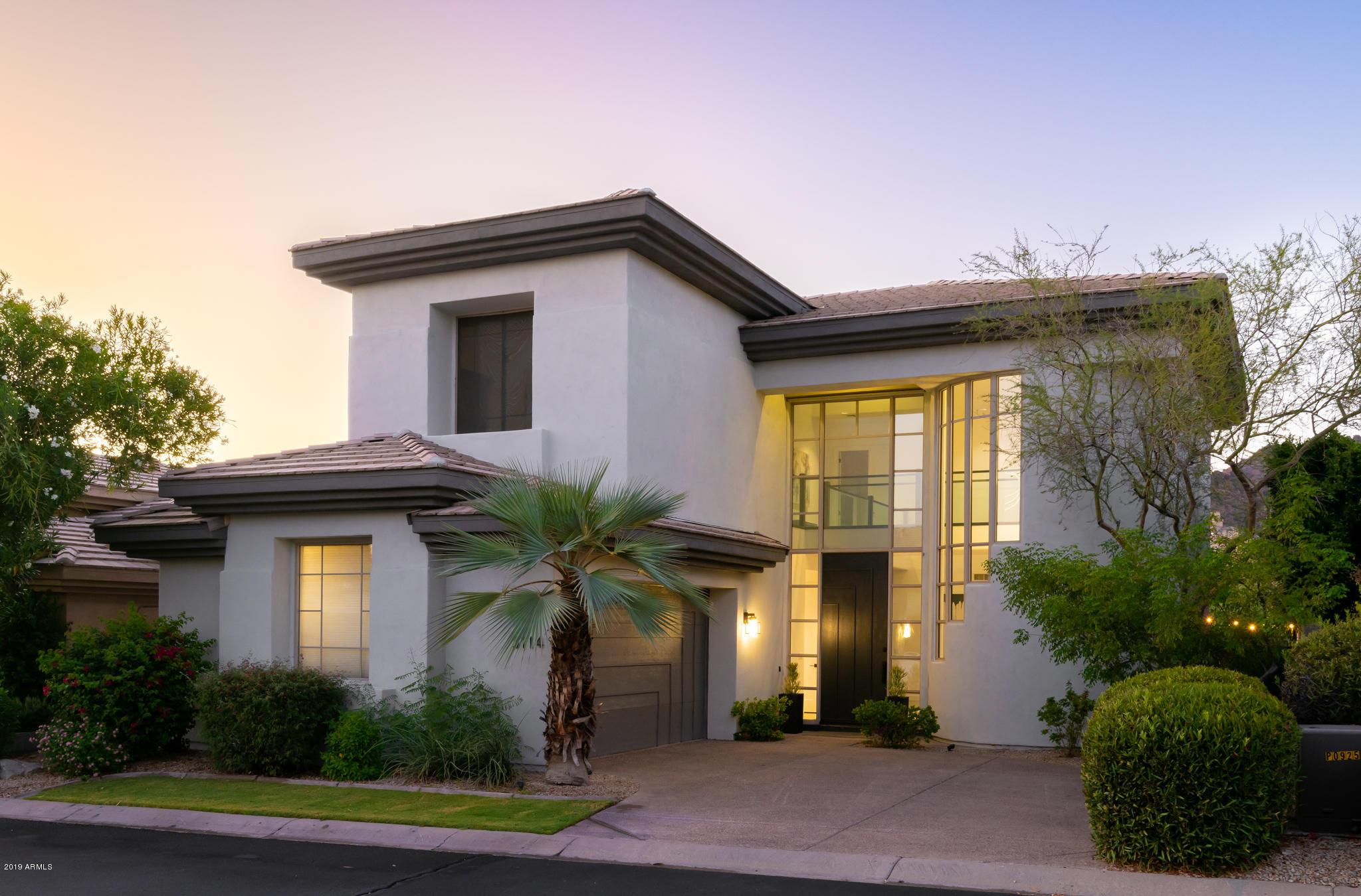 Photo of 3114 E SQUAW PEAK Circle, Phoenix, AZ 85016