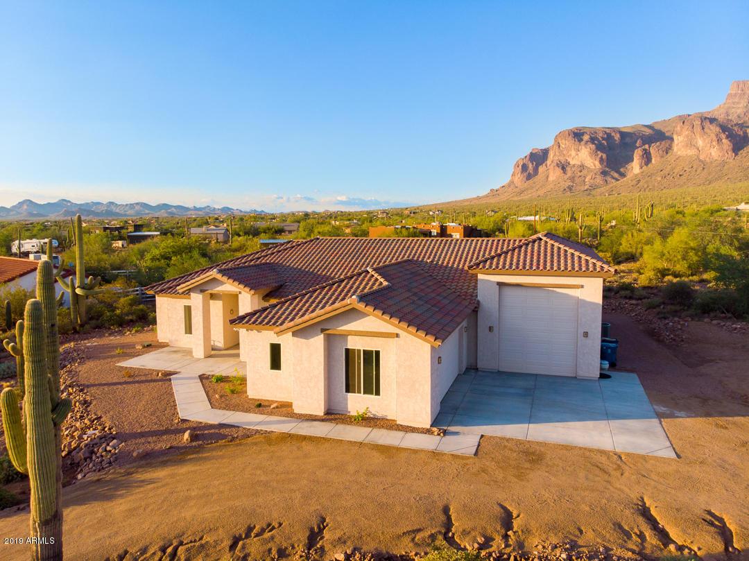 Photo of 1067 S TRIGGER Court, Apache Junction, AZ 85119
