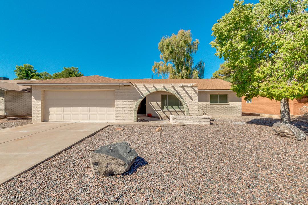 Photo of 7142 S LA ROSA Drive, Tempe, AZ 85283