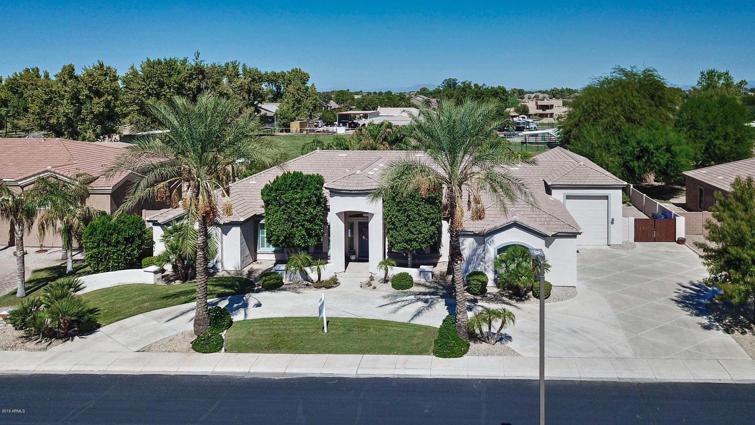 Photo of 4160 E AQUARIUS Place, Chandler, AZ 85249
