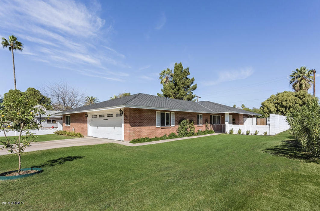 Photo of 3546 E MEADOWBROOK Avenue, Phoenix, AZ 85018