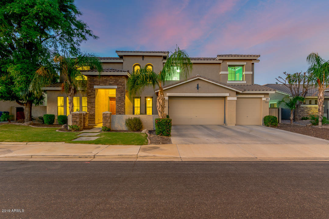 Photo of 3880 E RAVENSWOOD Drive, Gilbert, AZ 85298