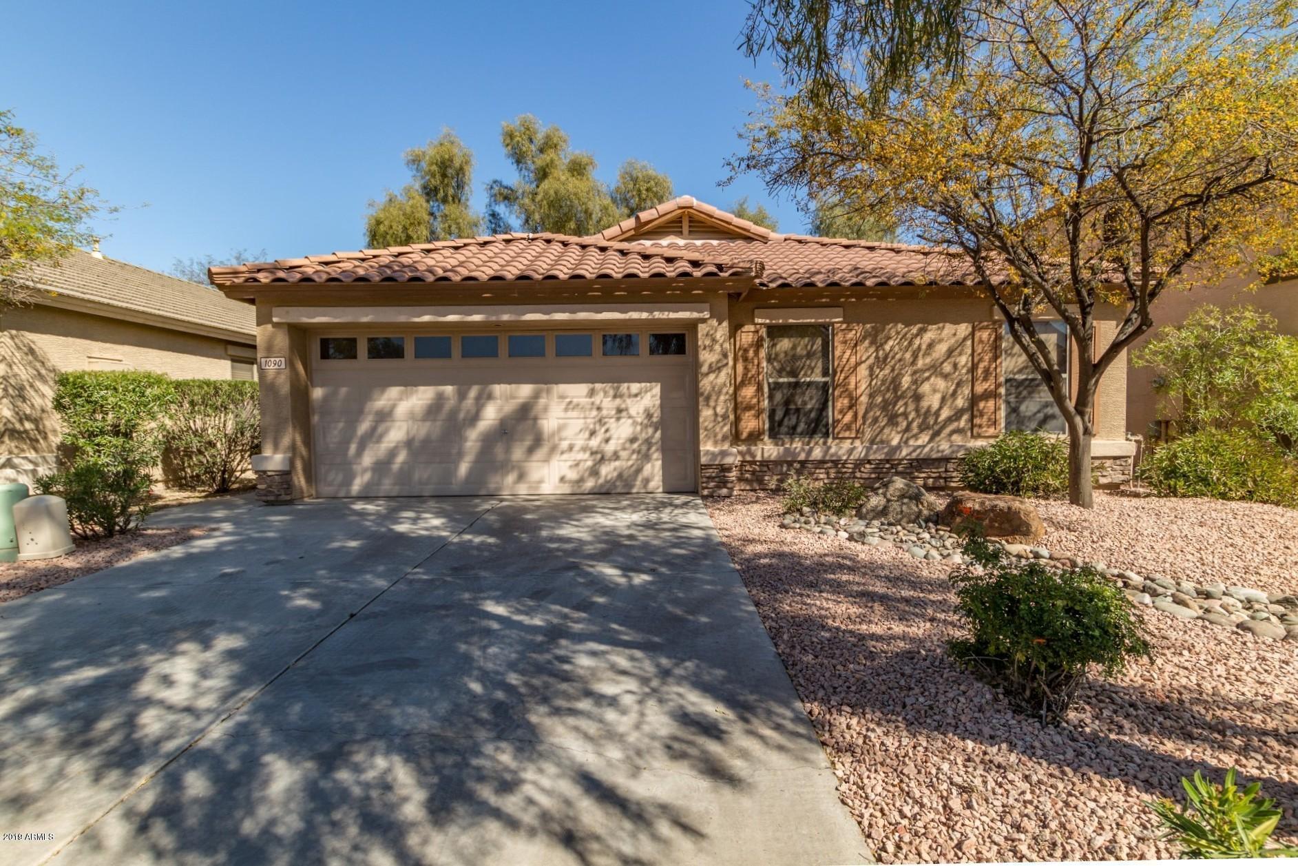 Photo of 1090 E SADDLE Way, San Tan Valley, AZ 85143