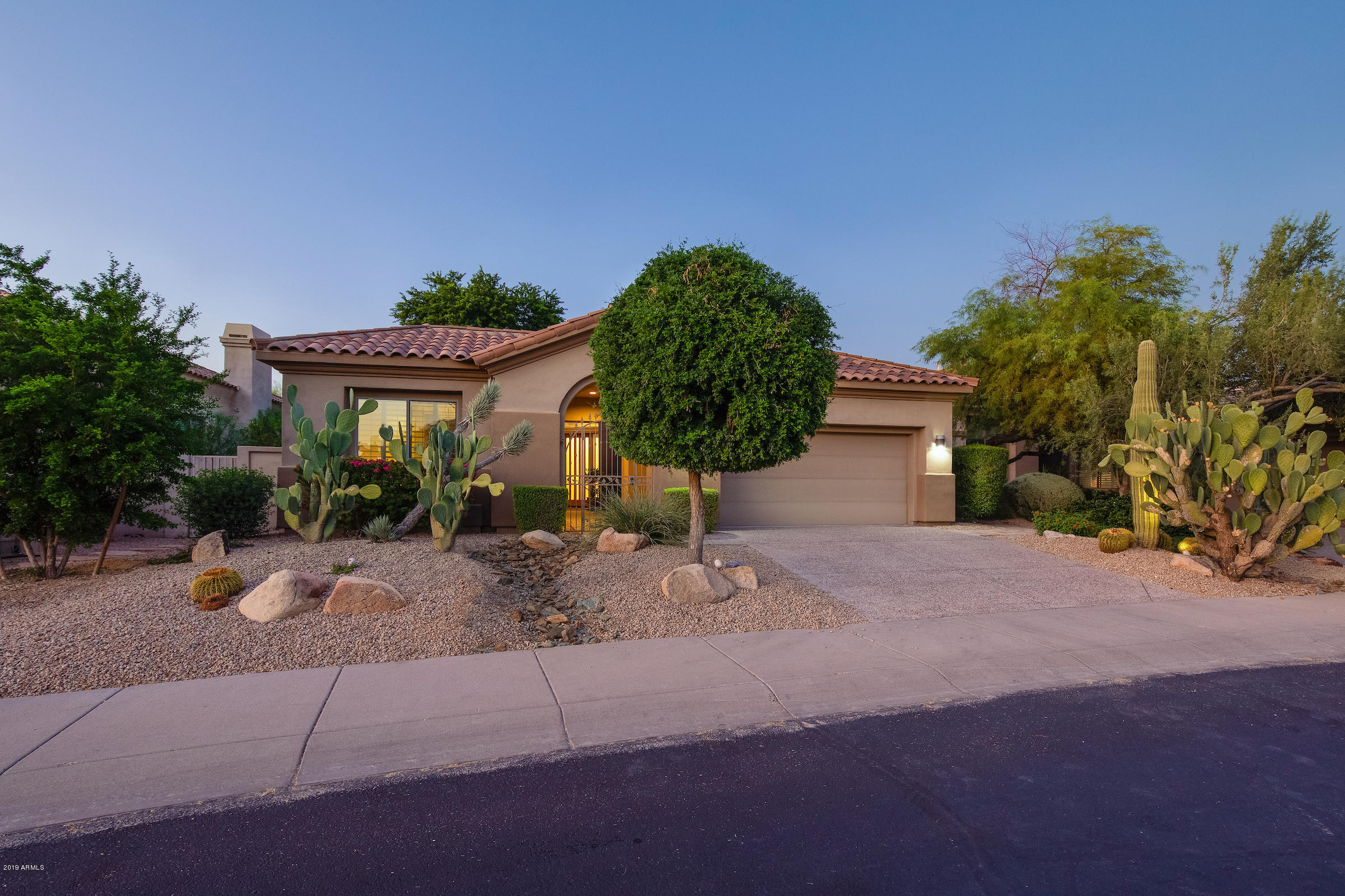 Photo of 7664 E OVERLOOK Drive, Scottsdale, AZ 85255