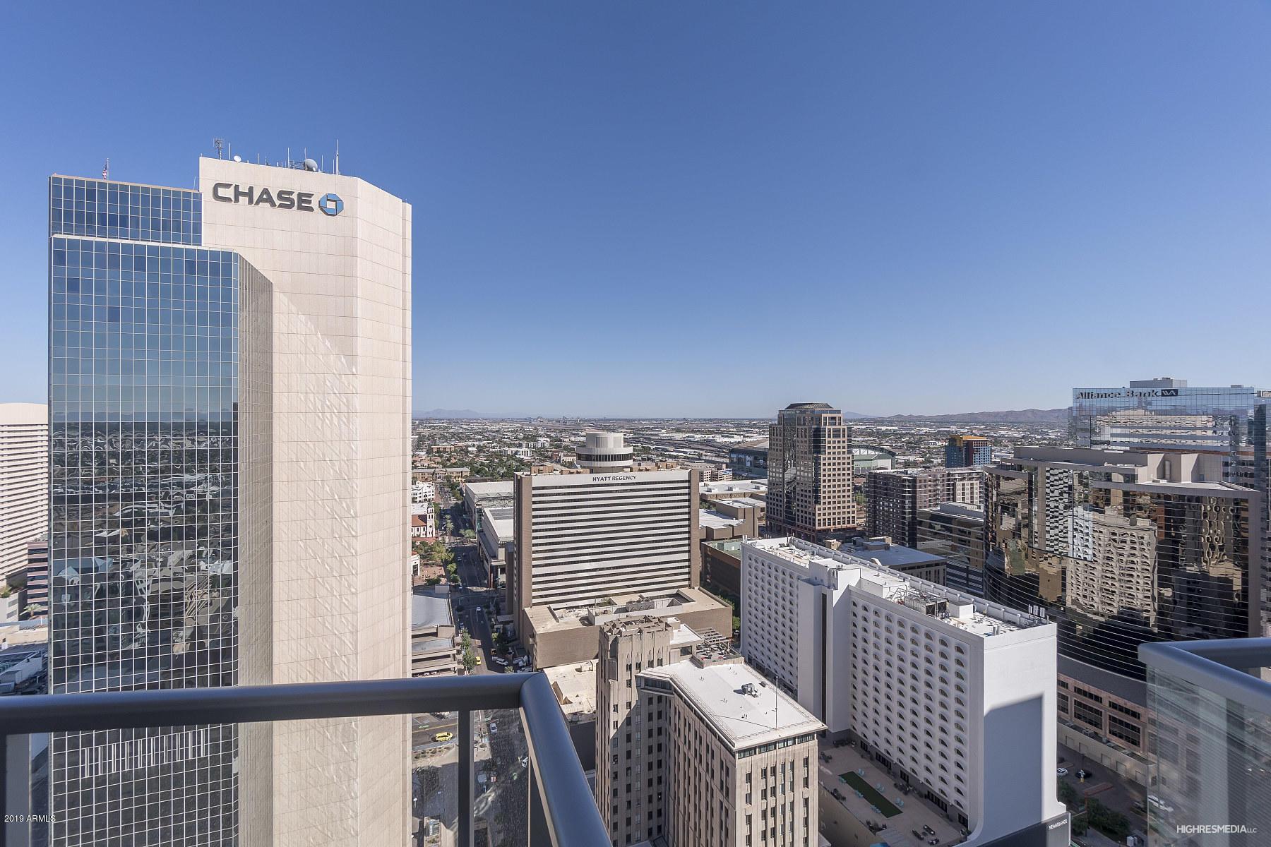 Photo of 44 W MONROE Street #3203, Phoenix, AZ 85003