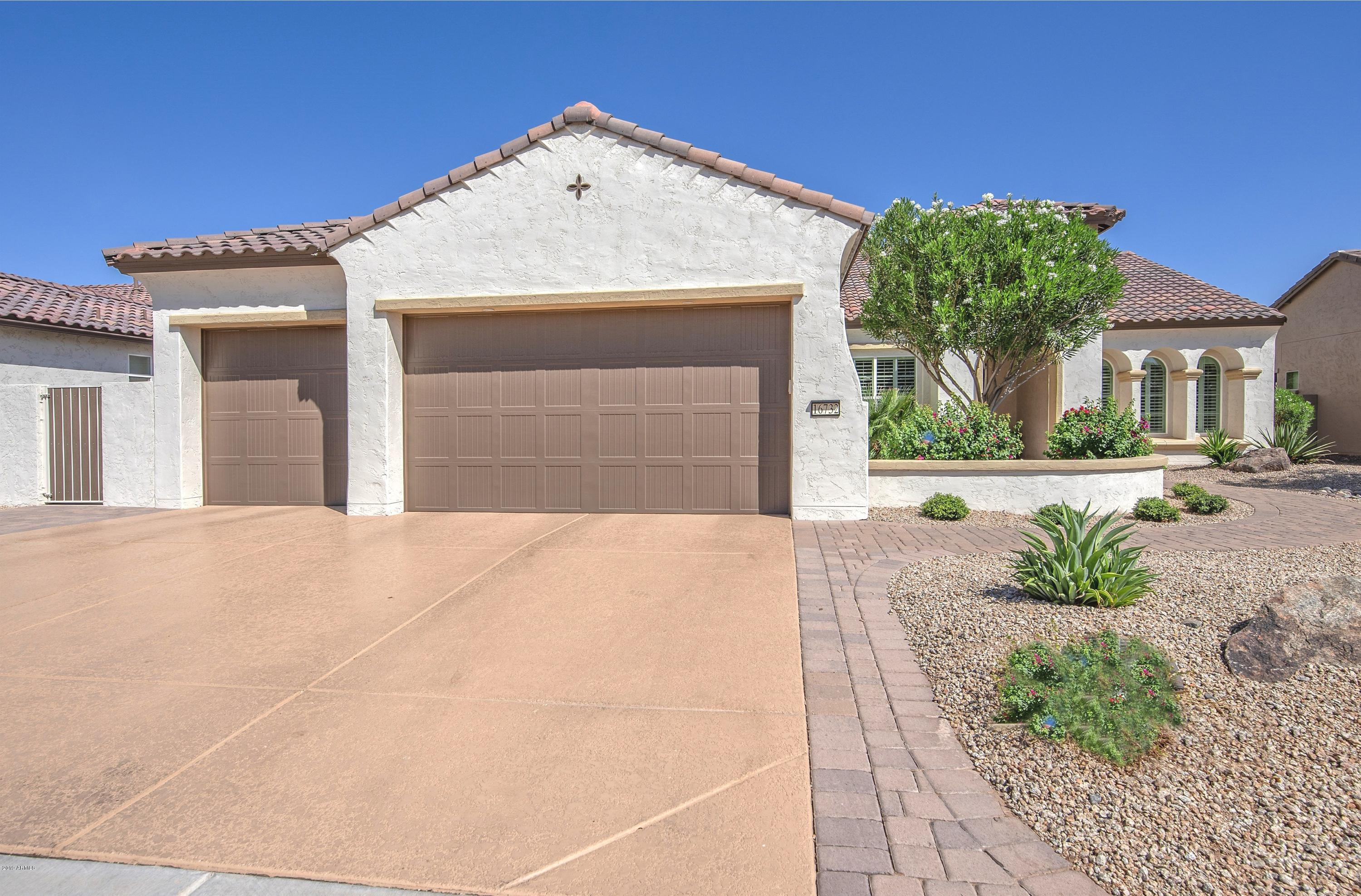 Photo of 16732 W HOLLY Street, Goodyear, AZ 85395