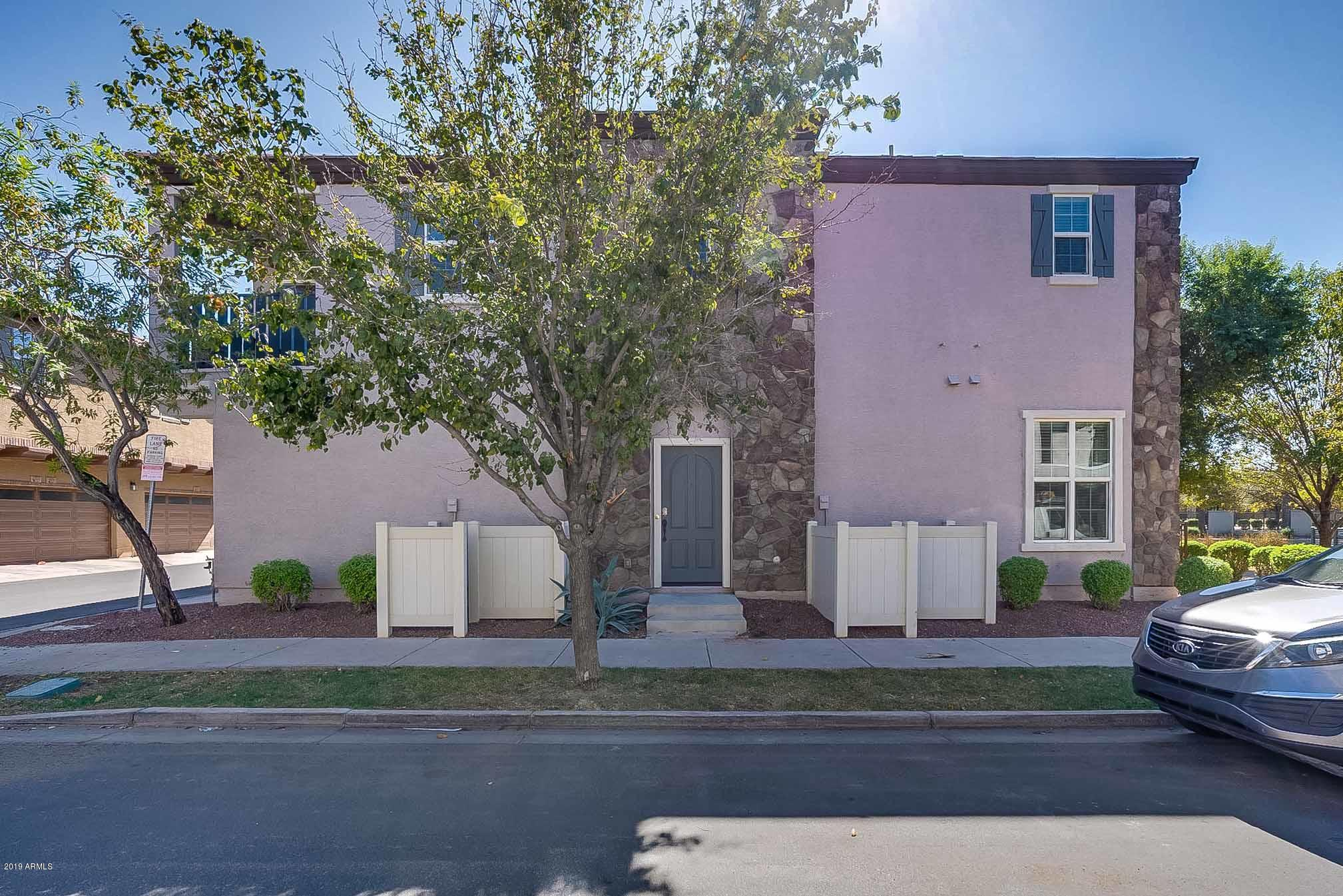 Photo of 2726 S EQUESTRIAN Drive #102, Gilbert, AZ 85295