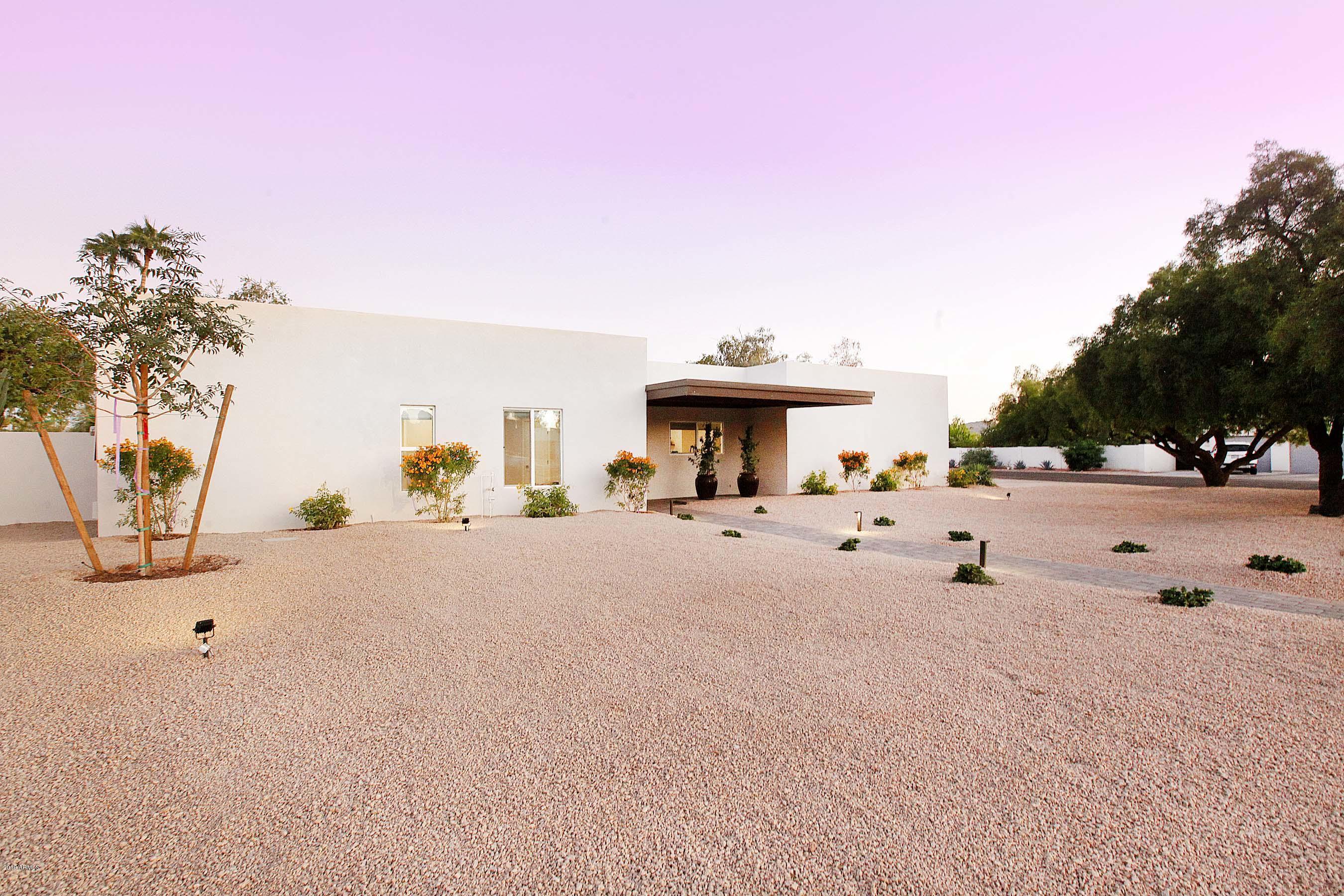 Photo of 5881 E ONYX Avenue, Paradise Valley, AZ 85253