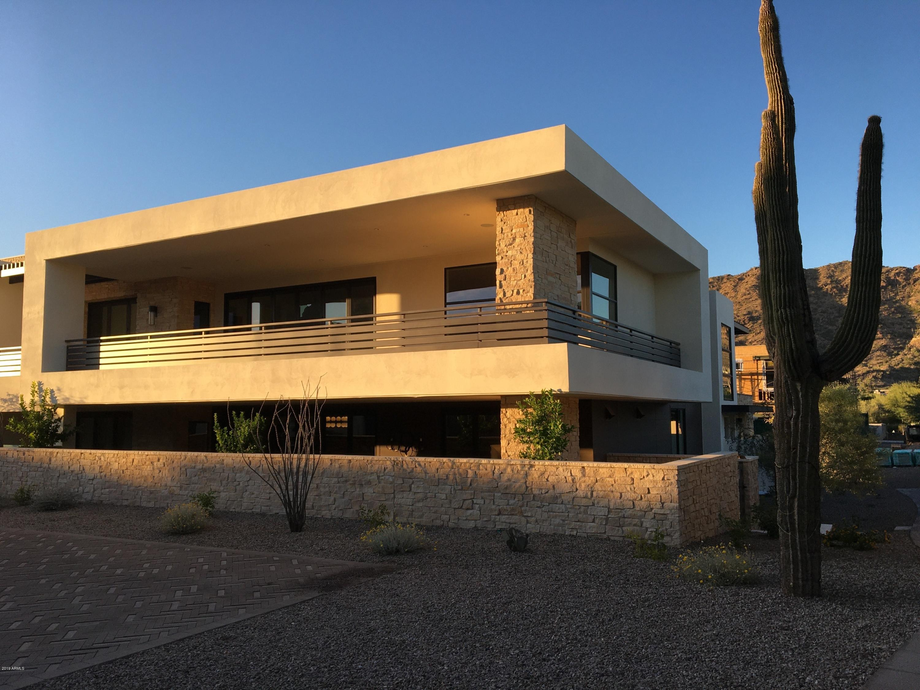 Photo of 5589 E STELLA Drive #215, Paradise Valley, AZ 85253