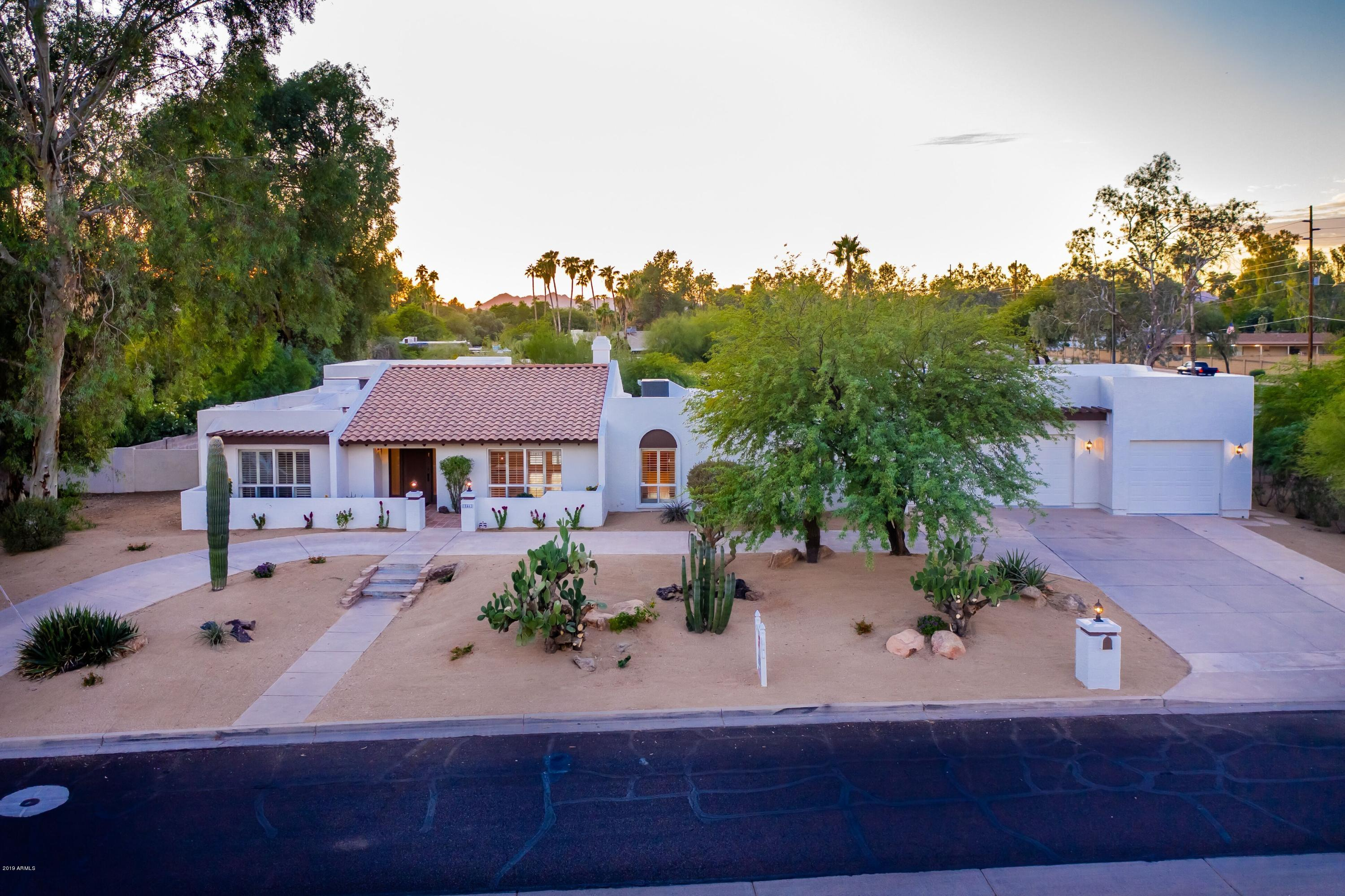 Photo of 10462 N 60TH Place, Paradise Valley, AZ 85253