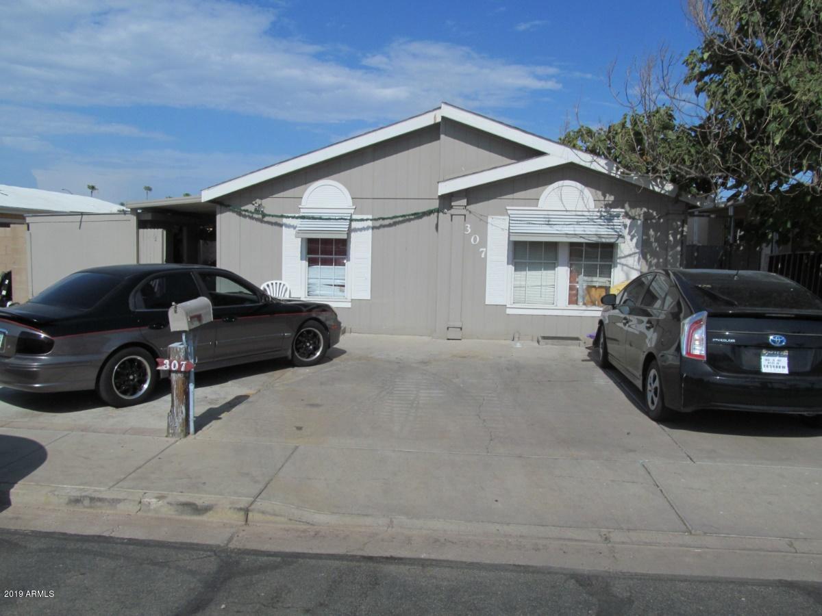 Photo of 307 S YORK Circle, Mesa, AZ 85204