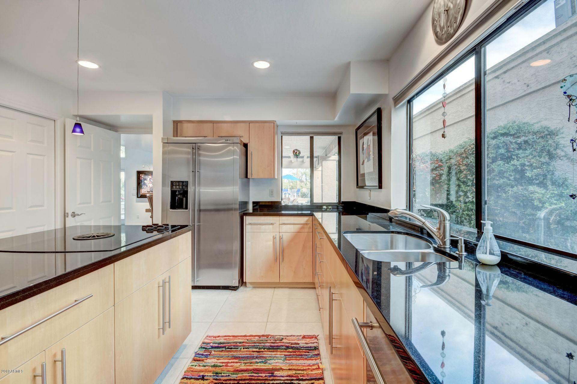 Photo of 10037 N 52ND Place, Paradise Valley, AZ 85253