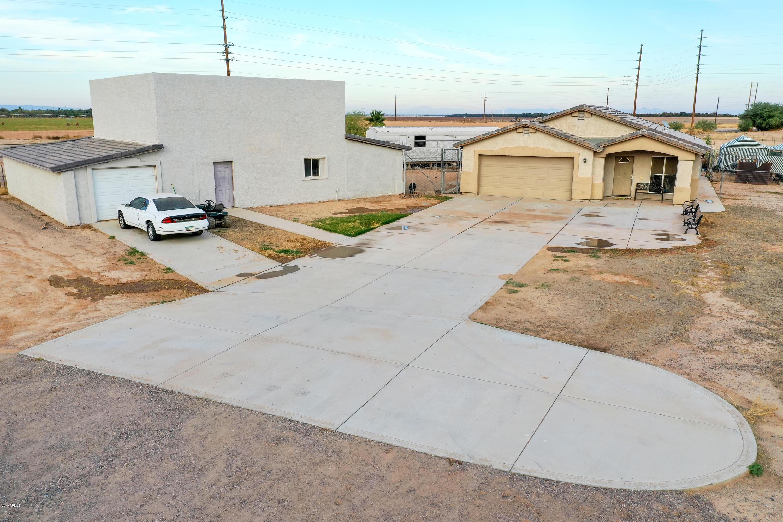 Photo of 13191 N BREEZE Way, Maricopa, AZ 85139